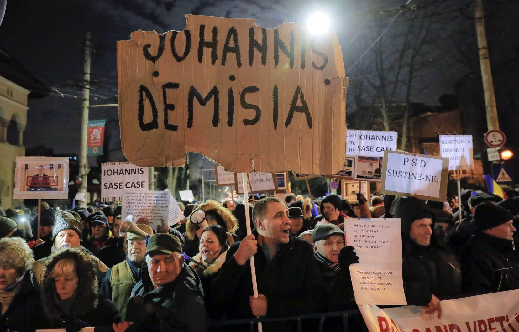 Manifestation demandant la démission du président Klaus, le 10 février