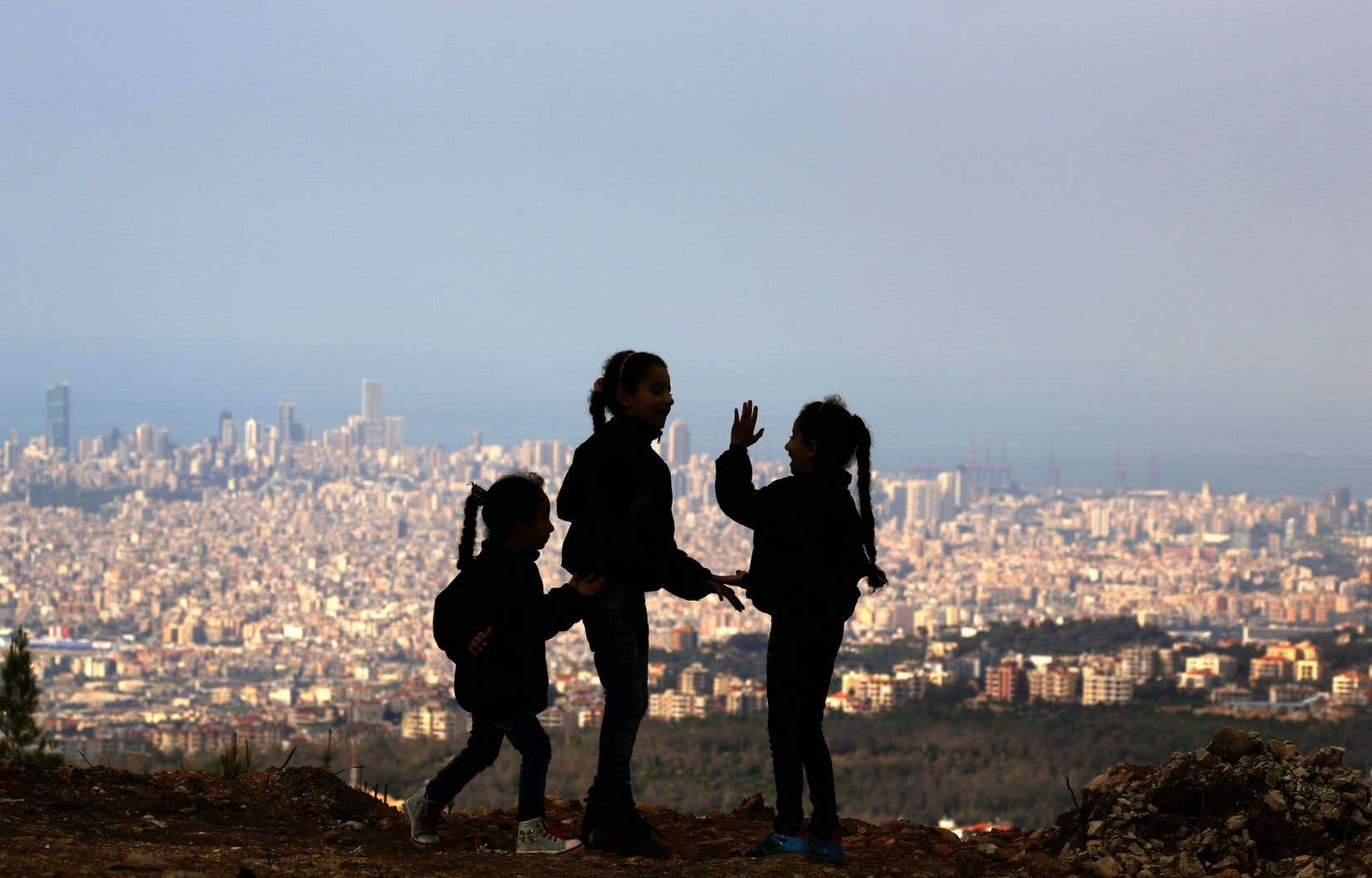 Voisin d'une Syrie déchirée par plus de cinq ans de guerre, le Liban a vu sa population gonfler de quelque 30% en raison de l'arrivée massive de réfugiés.