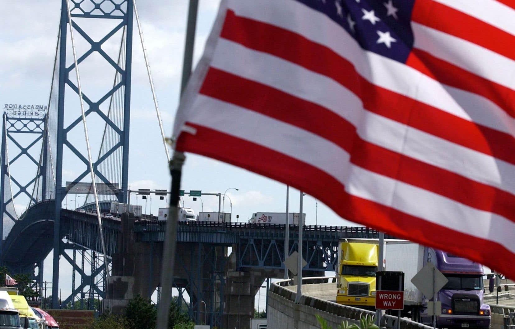 Les États-Unis subiraient aussi les contrecoups d'une taxe à l'importation.