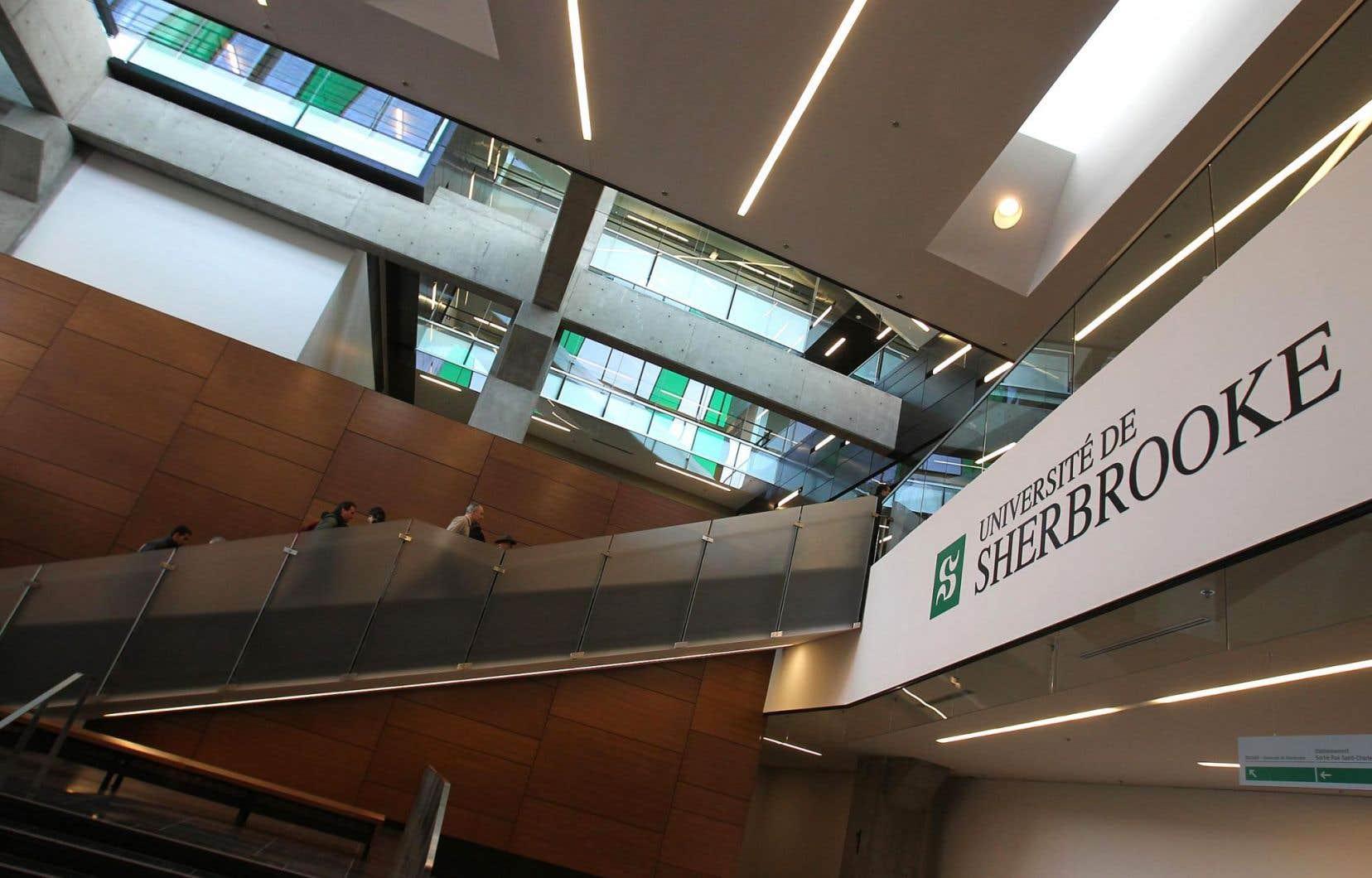 Par rapport à la situation qui était celle de l'Université de Sherbrooke il y a dix ans, il manque aujourd'hui 41professeurs, affirme le SPPUS.