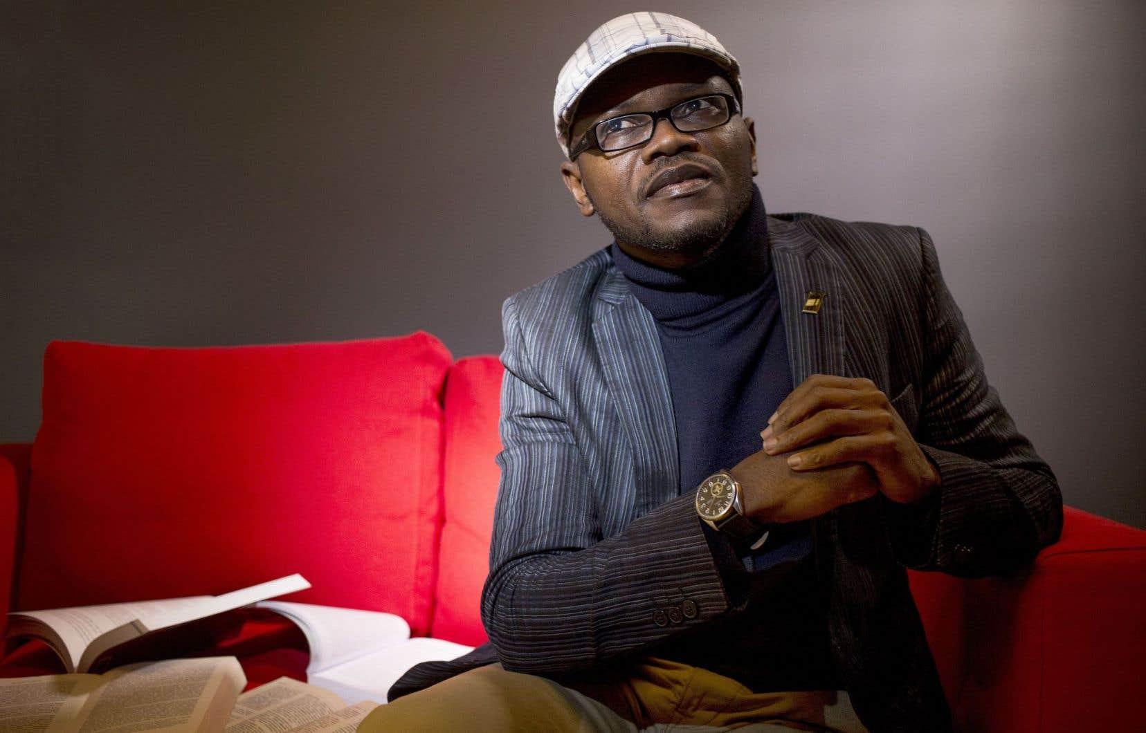 Blaise Ndala écrit d'une plume libre qui parfois gagnerait à plus de concision.