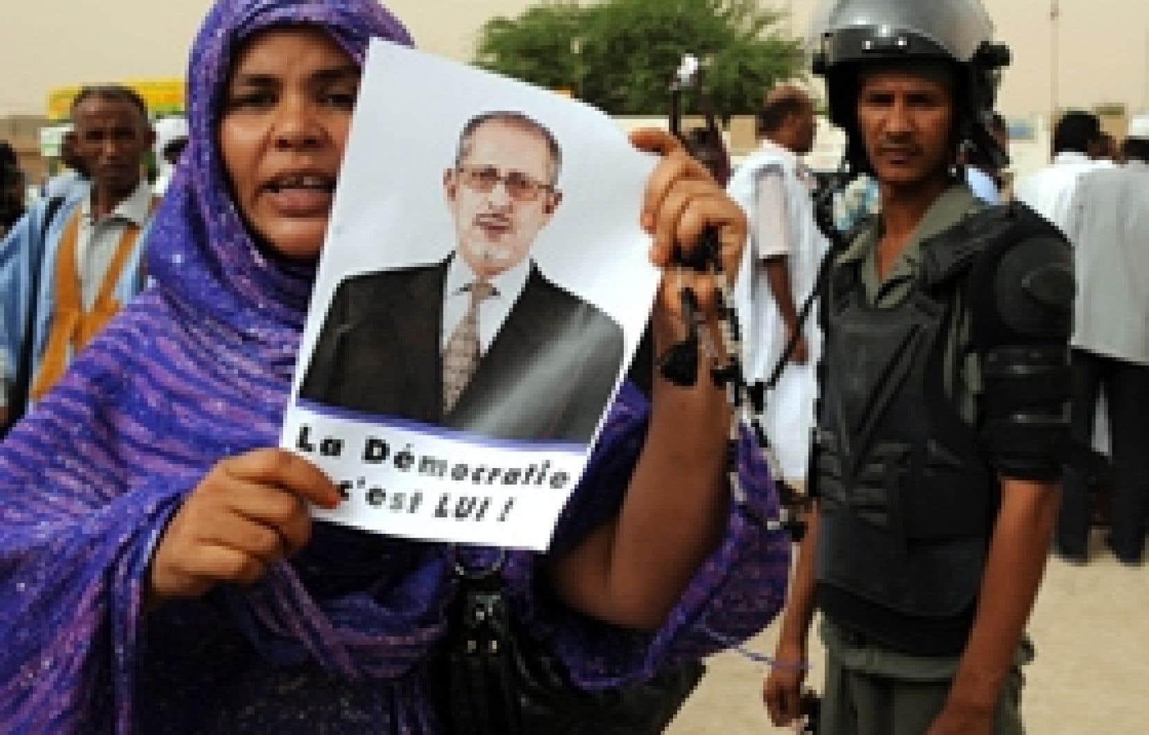 Les partisans du président Sidi ont manifesté leur désapprobation du coup d'État à plusieurs reprises depuis le mois d'août. Hier, les putchistes ont relâché le président déchu.