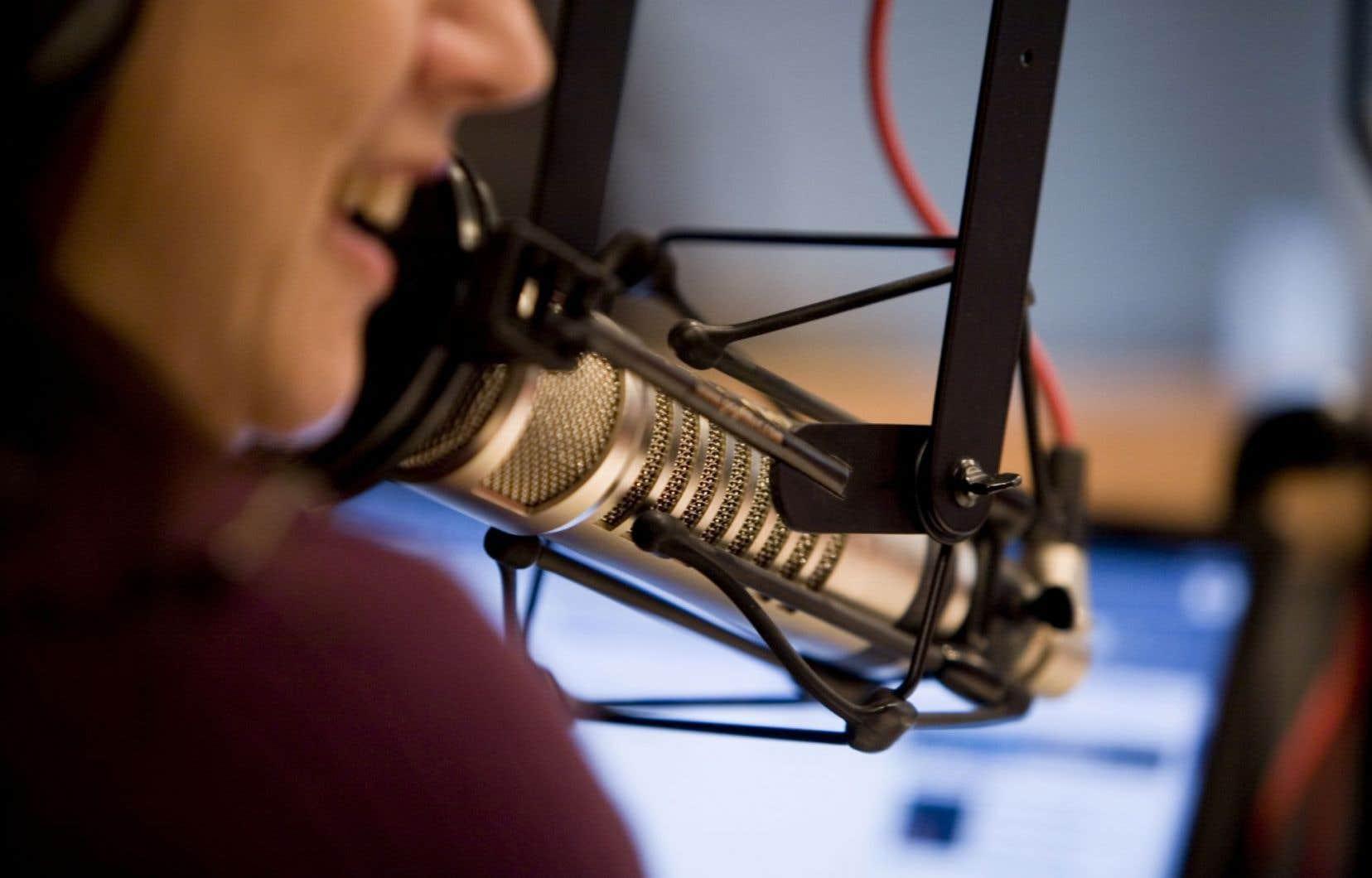 En délaissant les radios locales, le gouvernement ne rejoint plus tous les citoyens.