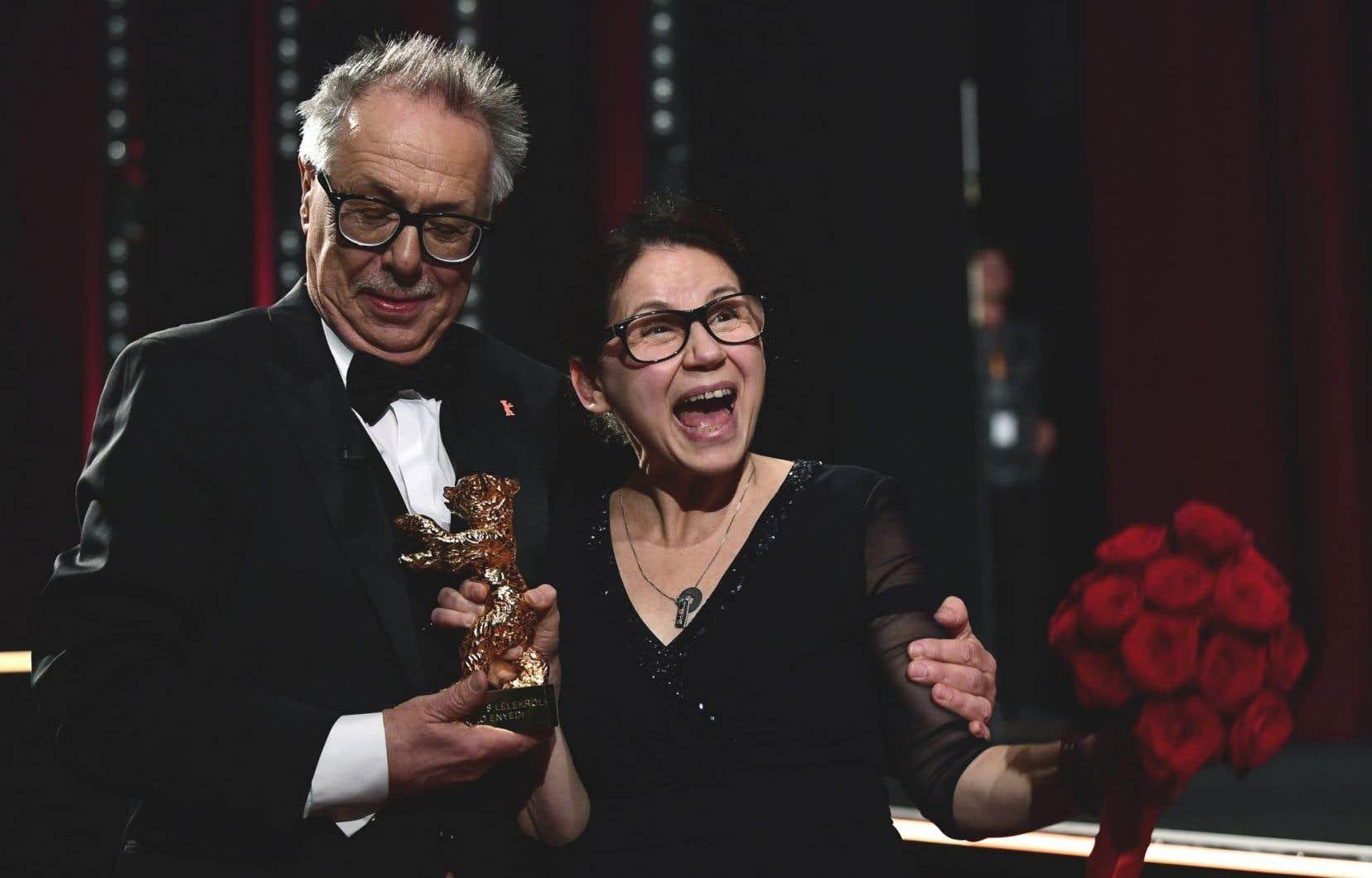 La Hongroise Ildiko Enyedi, lauréate pour la réalisation de son film «On Body and Soul», en compagnie de l'acteur Dieter Kosslick