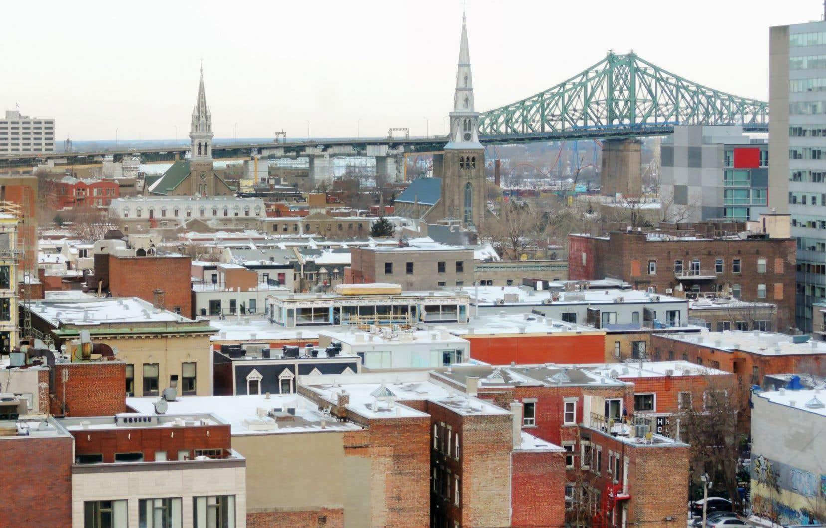 Le projet de loi 122 introduit une modification majeure à ces règles du jeu et prévoit l'abolition de tout recours référendaire citoyen pour Montréal et Québec.