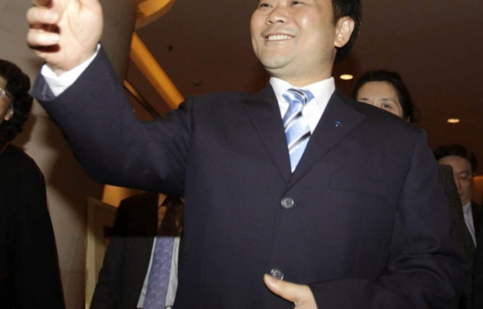 Le président et fondateur de Geely, Li Shufu, s'est fait rassurant en annonçant l'acquisition par sa société du constructeur suédois: «Volvo, c'est Volvo et Geely, c'est Geely», a-t-il lancé.