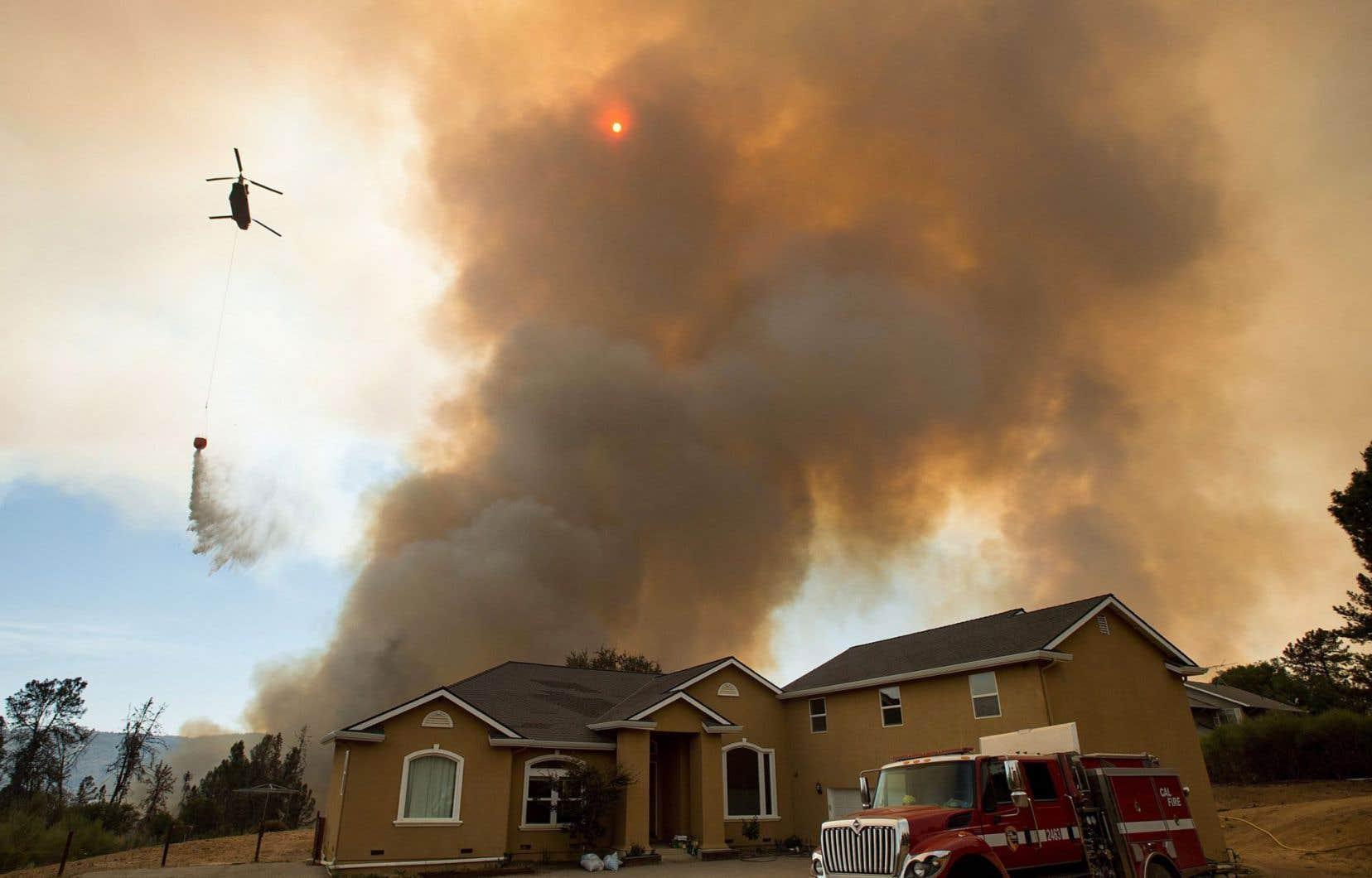 Le nombre d'incendies extrêmes s'étendant jusqu'à ces banlieues pourrait augmenter de 20 à 50% dans les prochaines décennies.