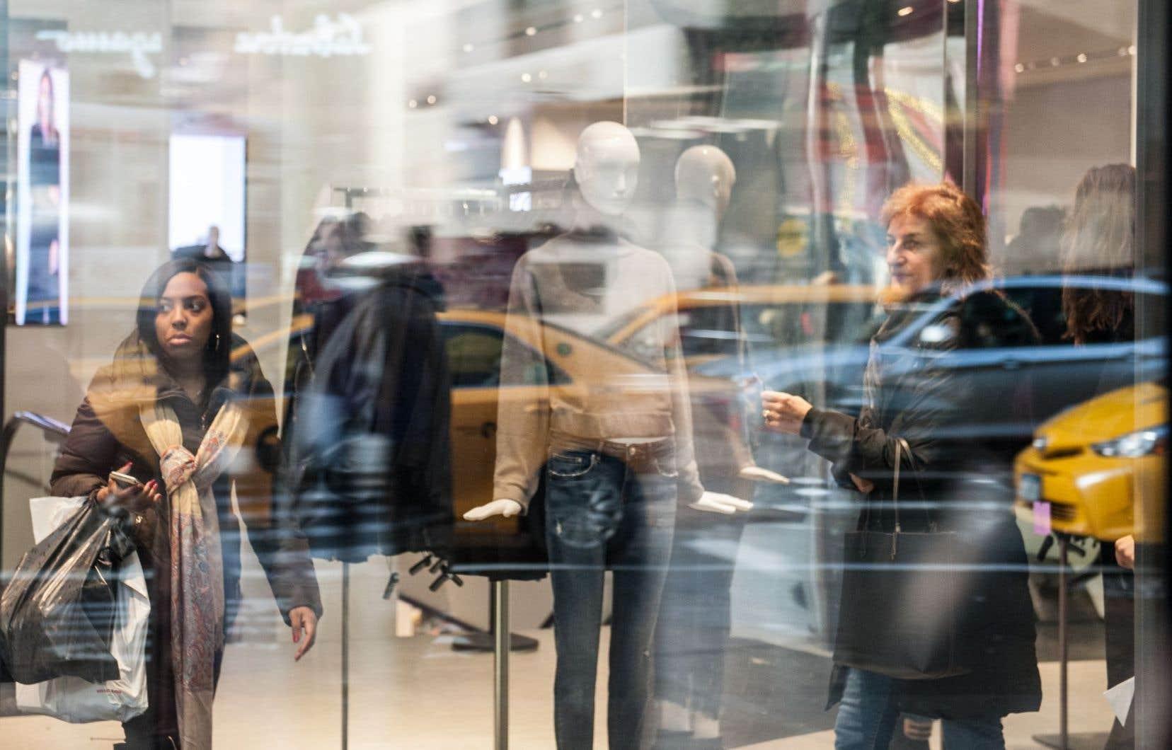 Au rang des bonnes nouvelles pour le dernier trimestre, les dépenses de consommation se sont bien comportées, progressant de 3%.