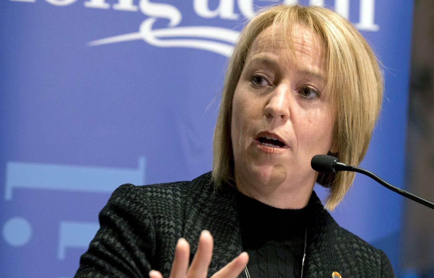 La mairesse de Longueuil, Caroline St-Hilaire, s'est dite fière d'avoir permis à d'autres femmes de songer à la politique, lors de l'annonce récente de son retrait de la vie politique après huit ans à son poste.