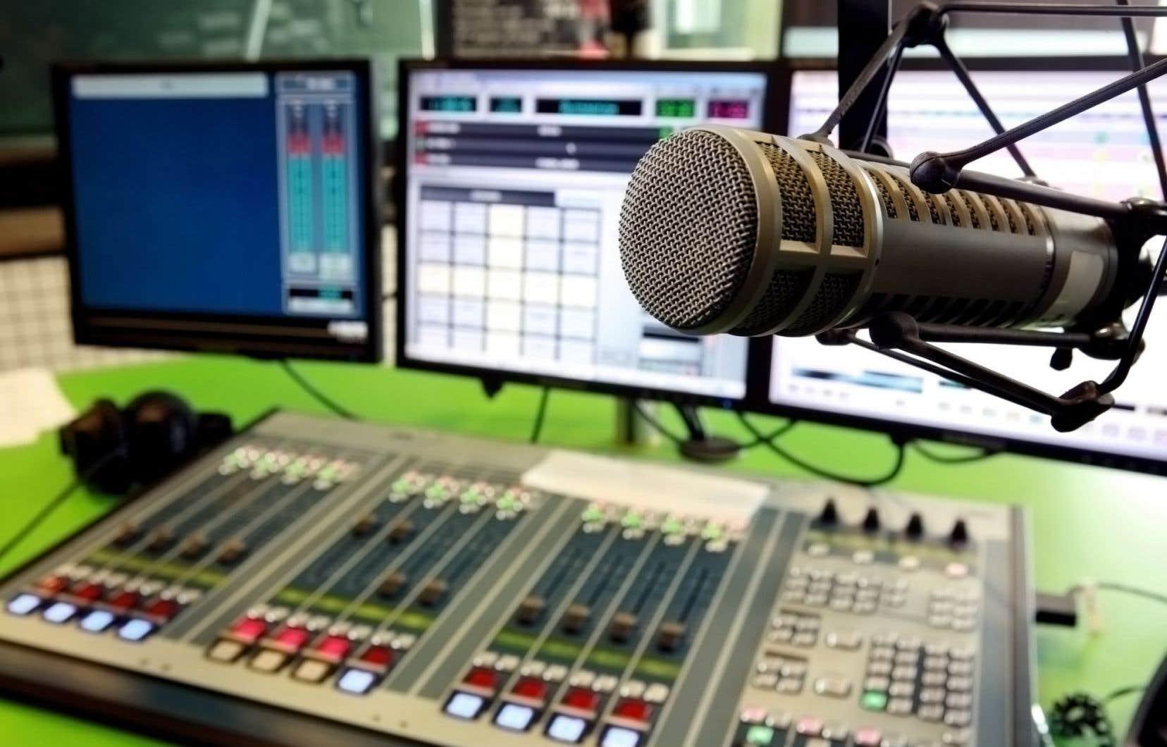 La colère gronde dans les rangs de la radio diffusant à Montréal au 102,3 FM.