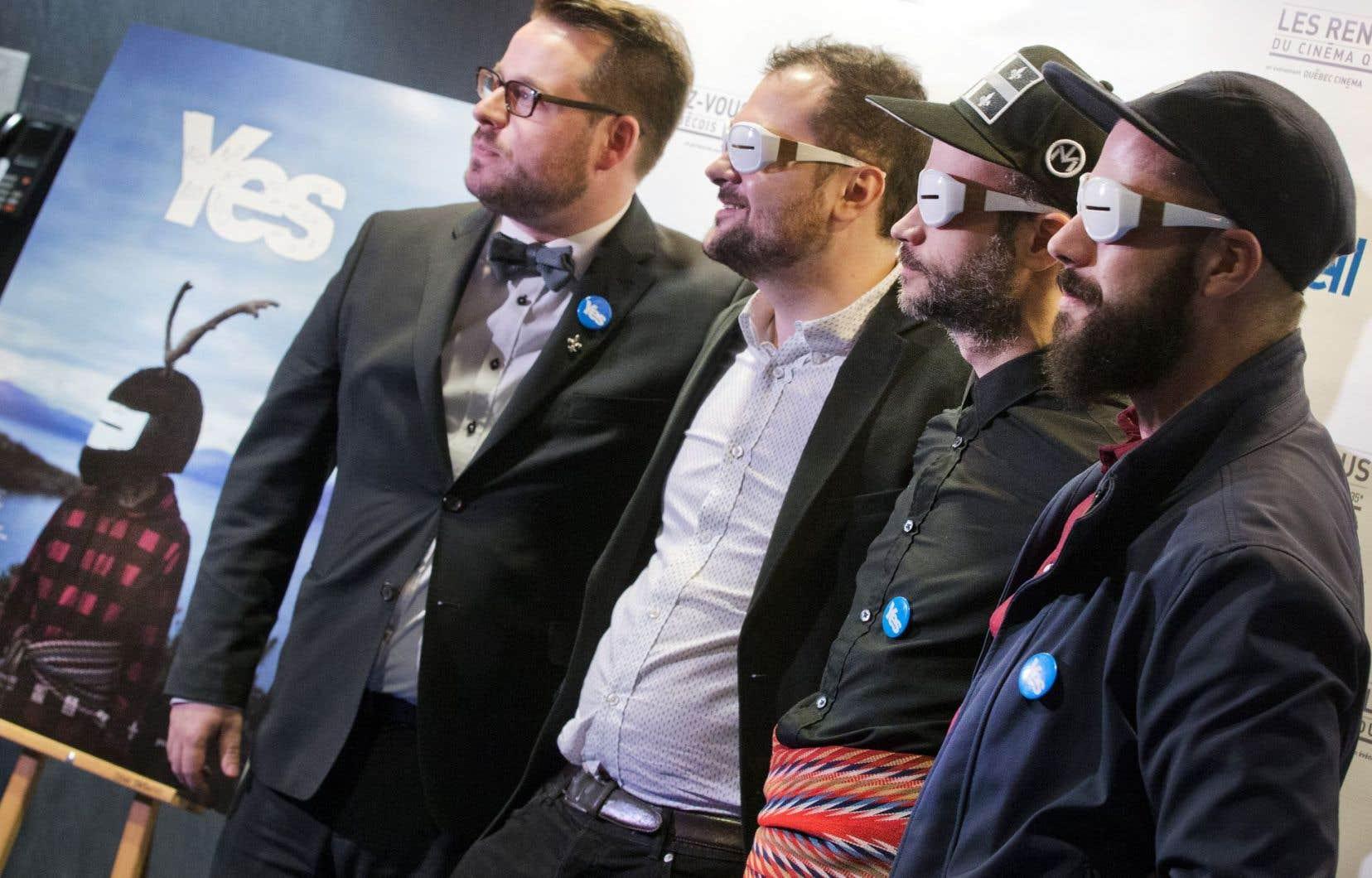 Dans «Yes», les documentaristes Félix Rose (deuxième à partir de la gauche) et Eric Piccoli (à droite) ont suivi Simon Beaudry (deuxième à partir de la droite) et Samuel Bergeron (à gauche) en Écosse dans les semaines précédant le référendum sur l'indépendance en 2014.