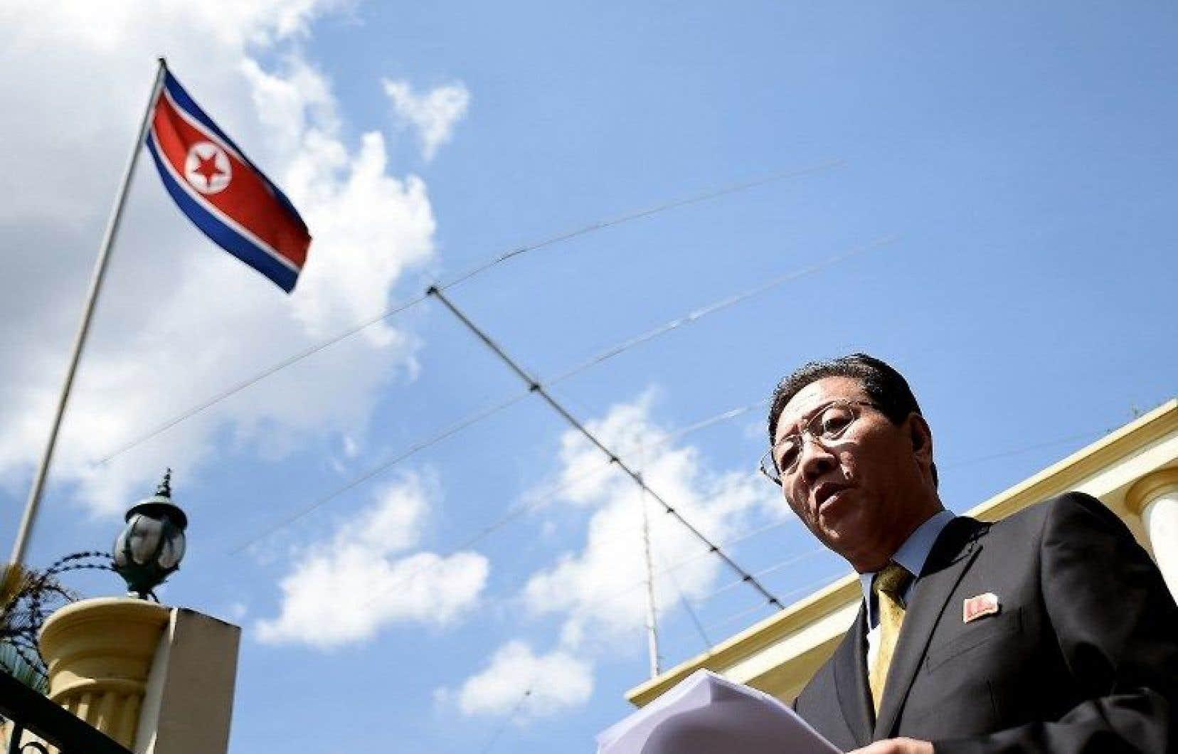 L'ambassadeur de Corée du Nord en Malaisie, Kang Chol