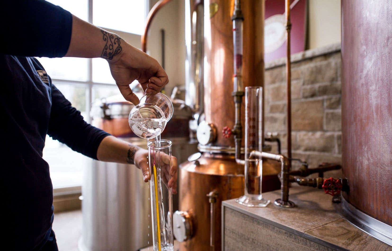 Les microdistilleries qui utilisent des alcools 100% québécois, comme celle du Domaine Lafrance (en photo), n'ont aucun avantage par rapport à celles qui utilisent de l'alcool fabriqué ailleurs.