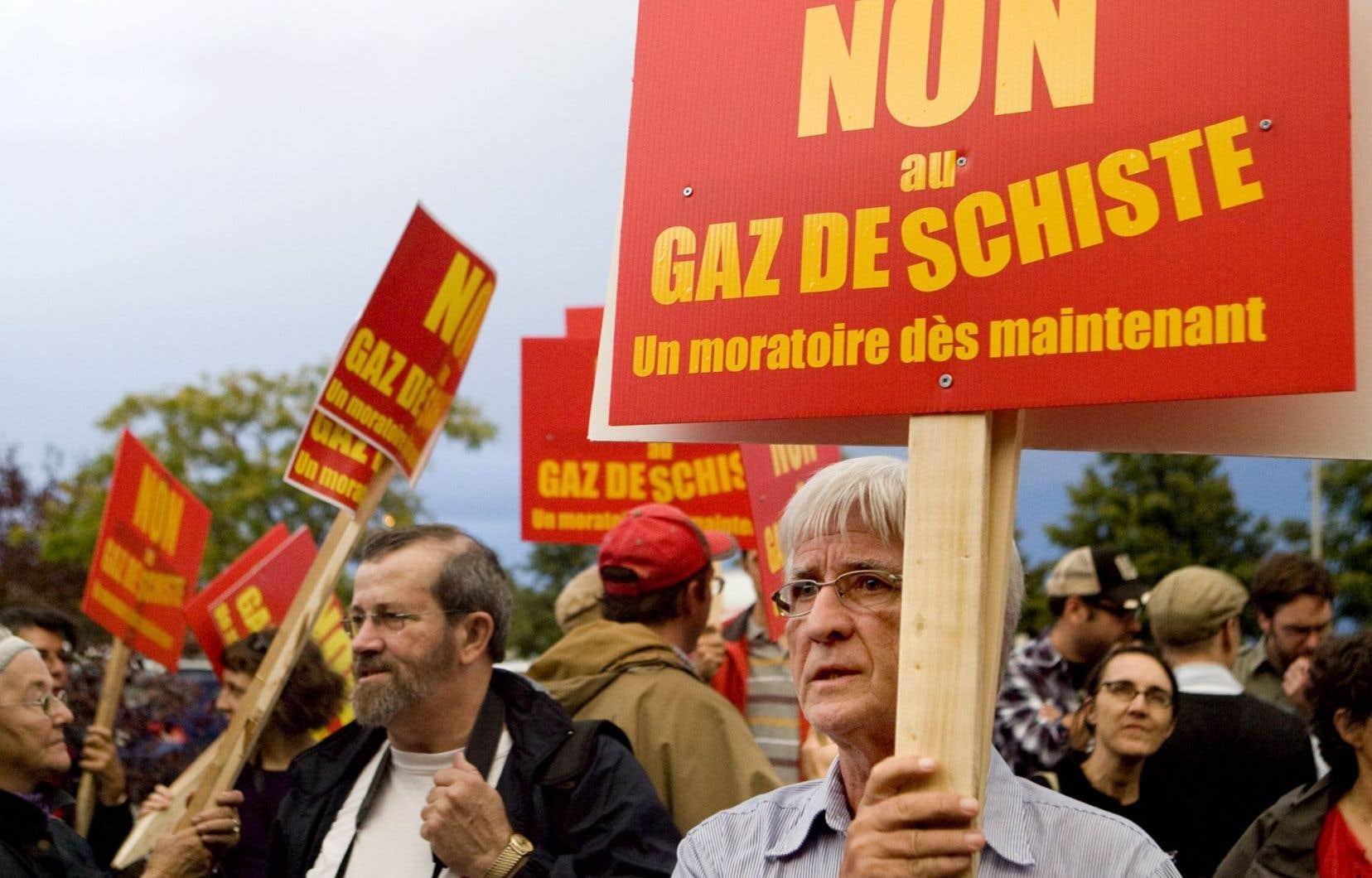 Manifestation contre l'exploitation des gaz de schiste à Saint-Hyacinthe, en septembre 2010