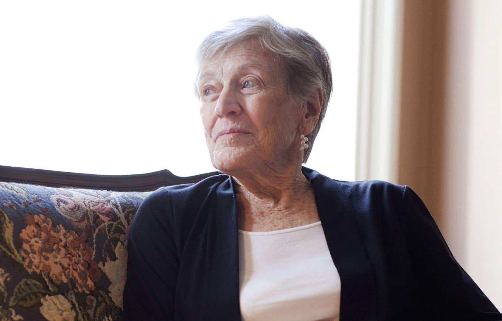 Paula Fox avait entamé sa carrière en écrivant des romans pour la jeunesse.