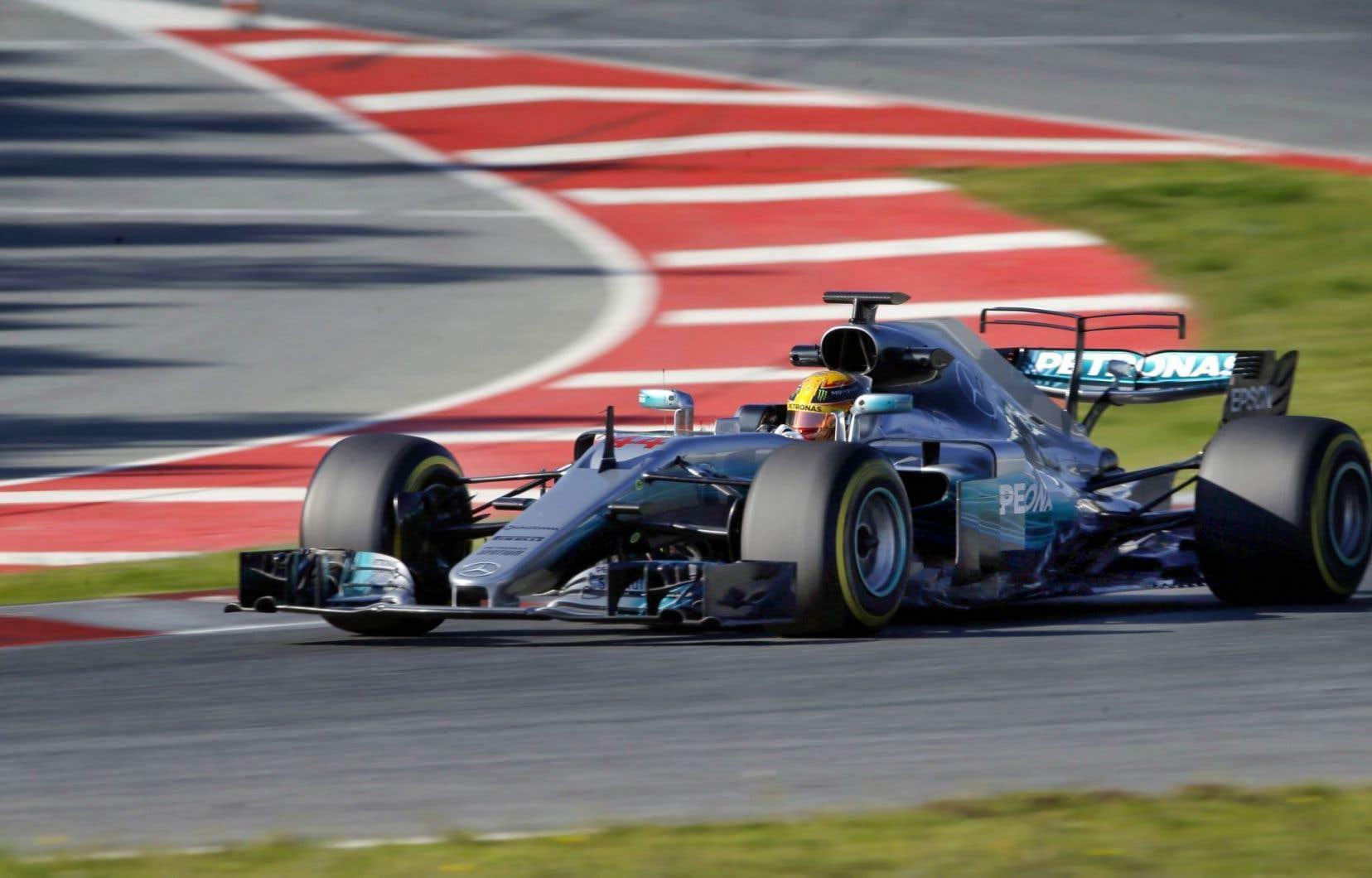 Lewis Hamilton au volant de sa Mercedes sur le circuit de Catalunya, en Espagne, le 1er mars dernier