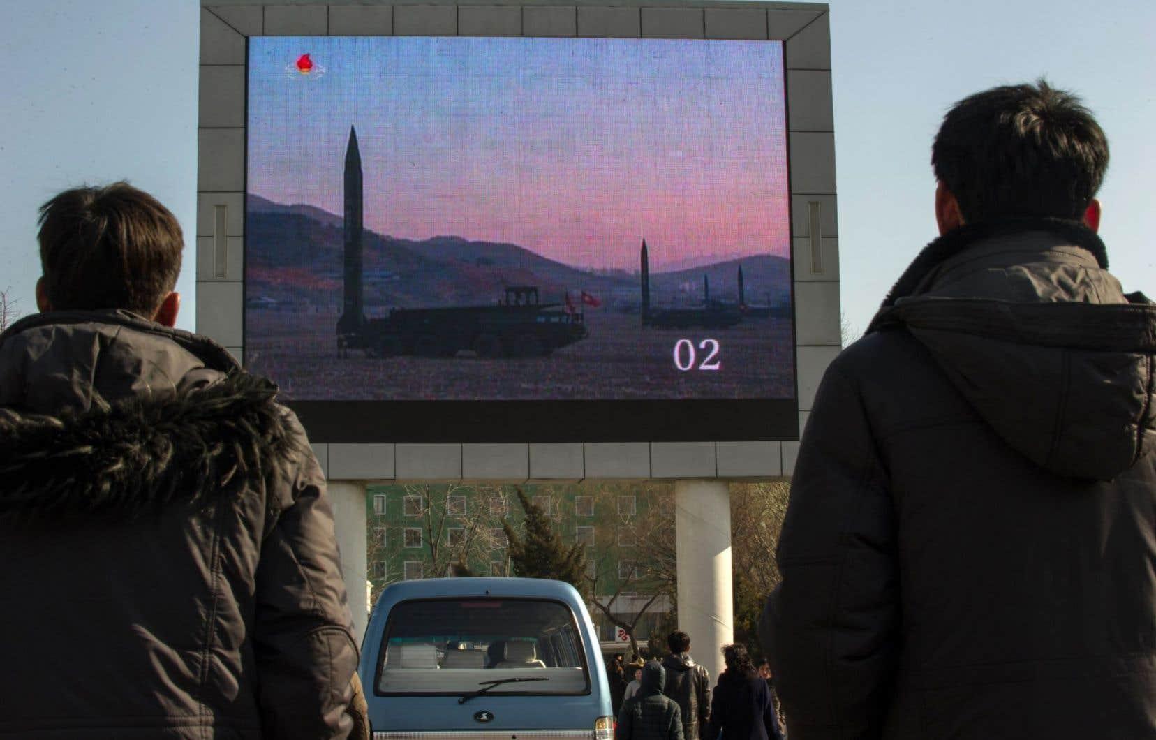 «Bien que le gouvernement Trump n'ait toujours pas développé de plan à l'égard de la Corée du Nord, il a laissé entendre que l'utilisation de la force était une possibilité», affirme Benoît Hardy-Chartrand.