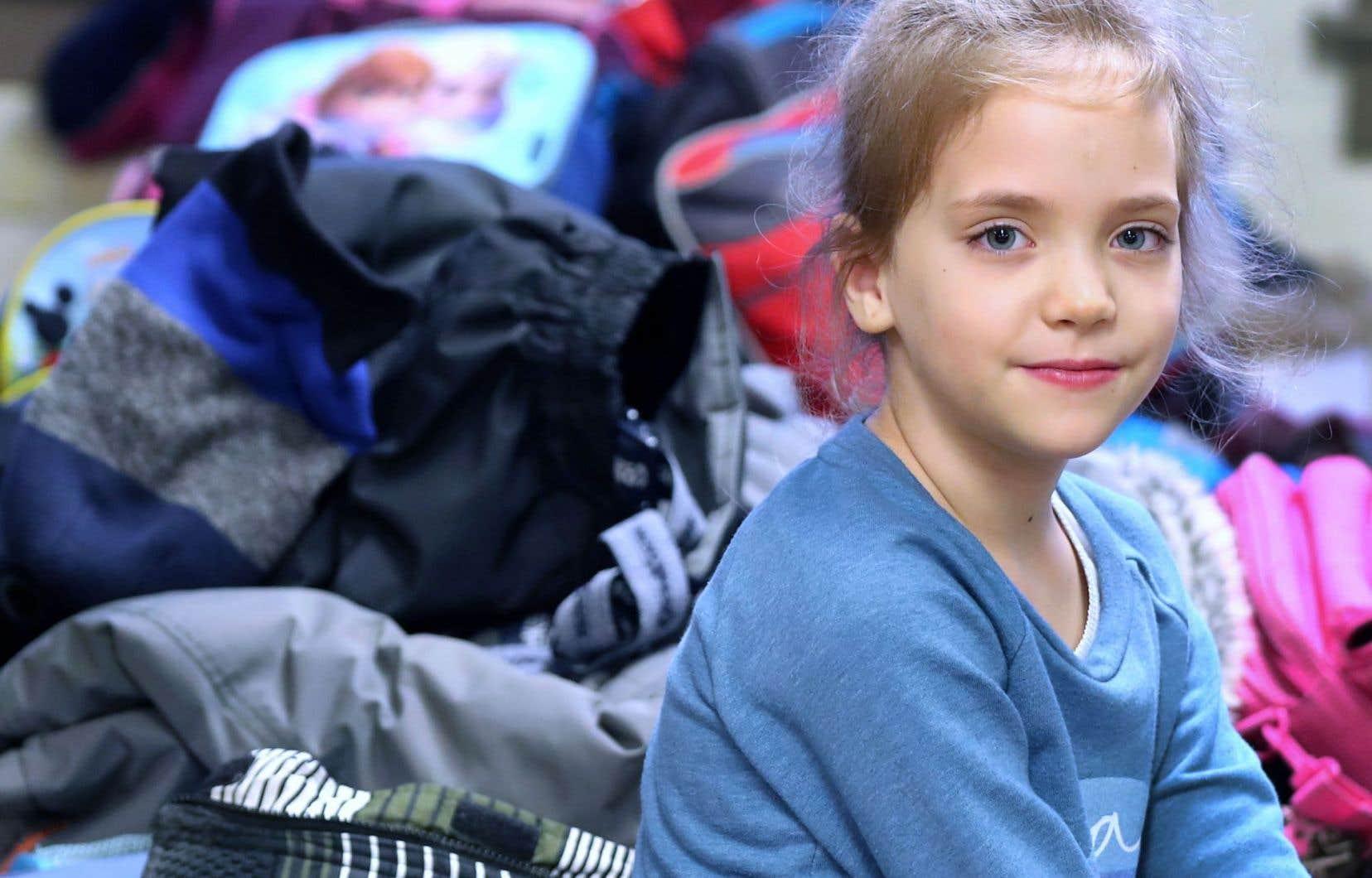 Pour ne pas s'absenter de ses cours de francisation, Mariana Rudenciuc a choisi de débourser 100$ pour inscrire sa fille Amélie au service de garde de son école primaire.