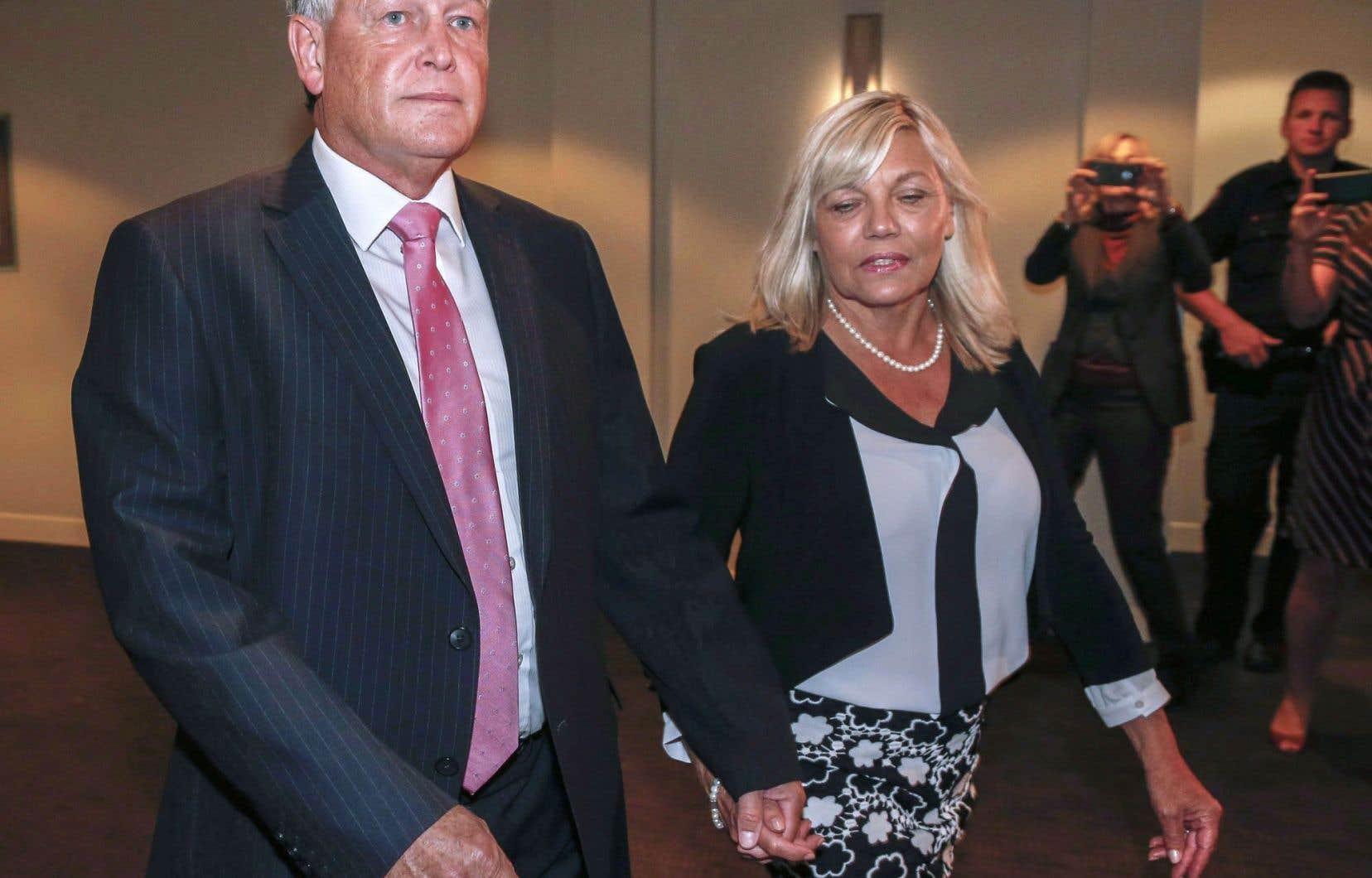 Le juge Robin Camp s'était présenté en compagnie de son épouse devant le Conseil canadien de la magistrature en septembre dernier.