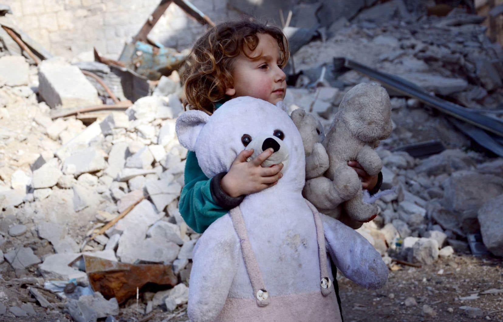 En Syrie, 280 000 enfants vivent dans les secteurs assiégés, sans accès à de la nourriture ni à des médicaments.