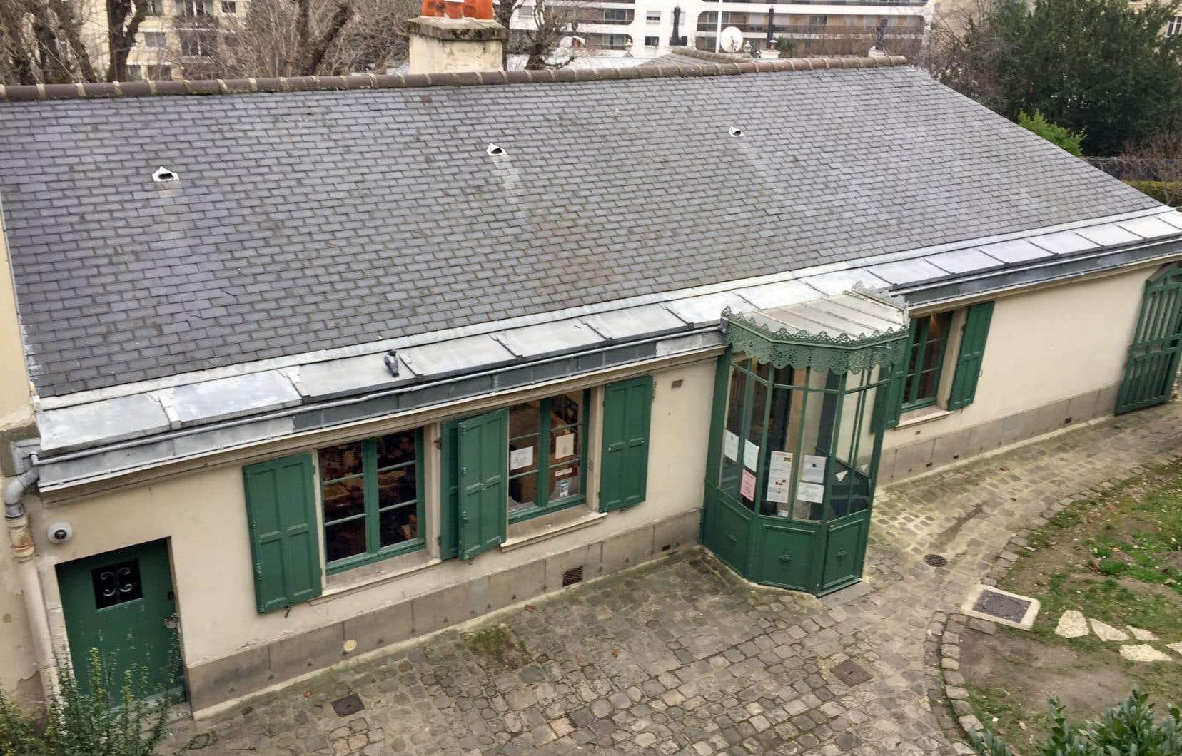 La Maison de Balzac, rue Raynouard, dans le XVIe arrondissement. Caché sous le pseudonyme de M.Breugnol, il séjourna pendant sept ans dans l'ancienne «folie» d'un hôtel particulier.