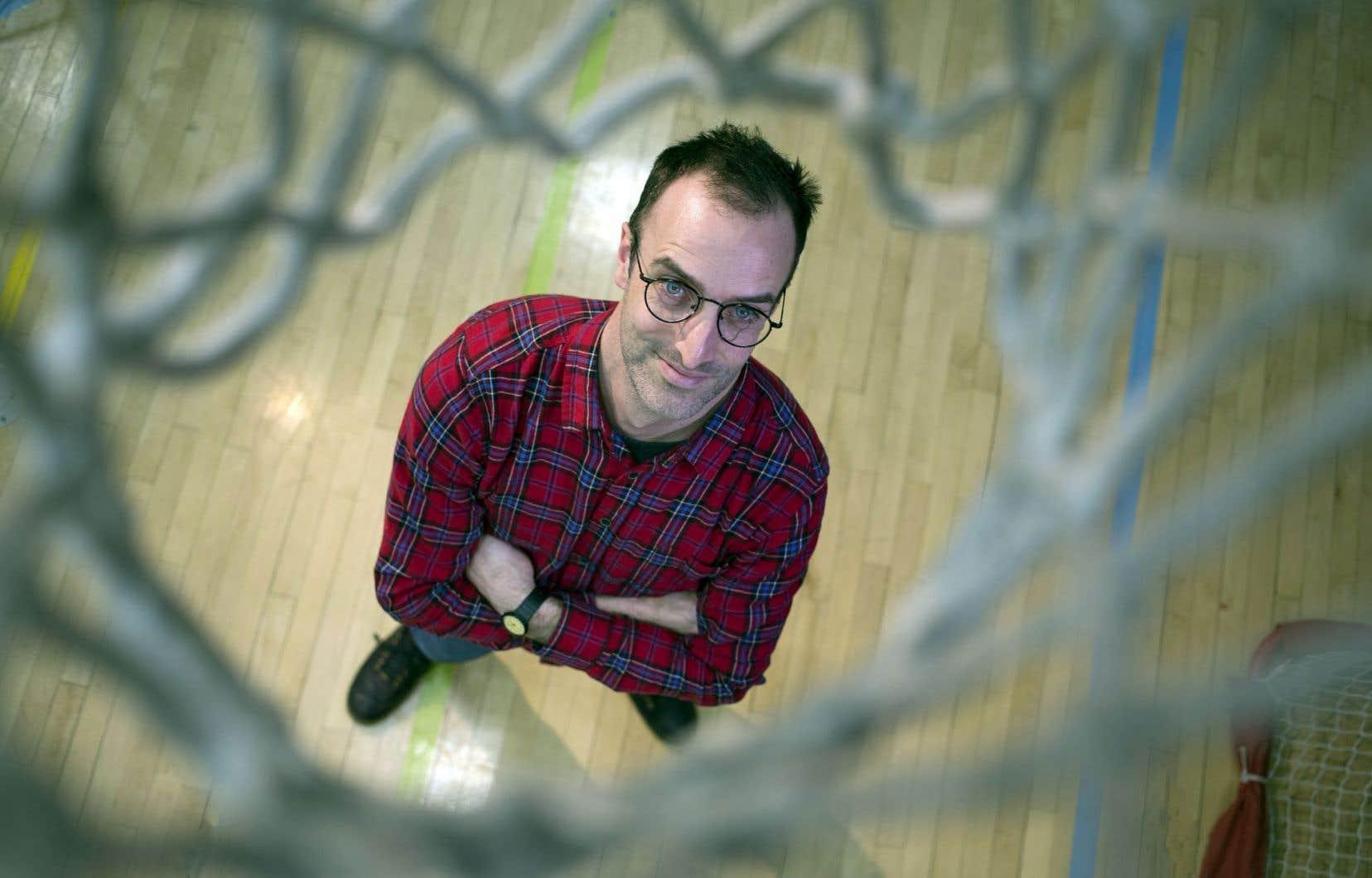 Recueil éclaté à l'architecture ambitieuse, «Le basketball et ses fondamentaux» jette un pont vers les livres précédents de l'auteur.