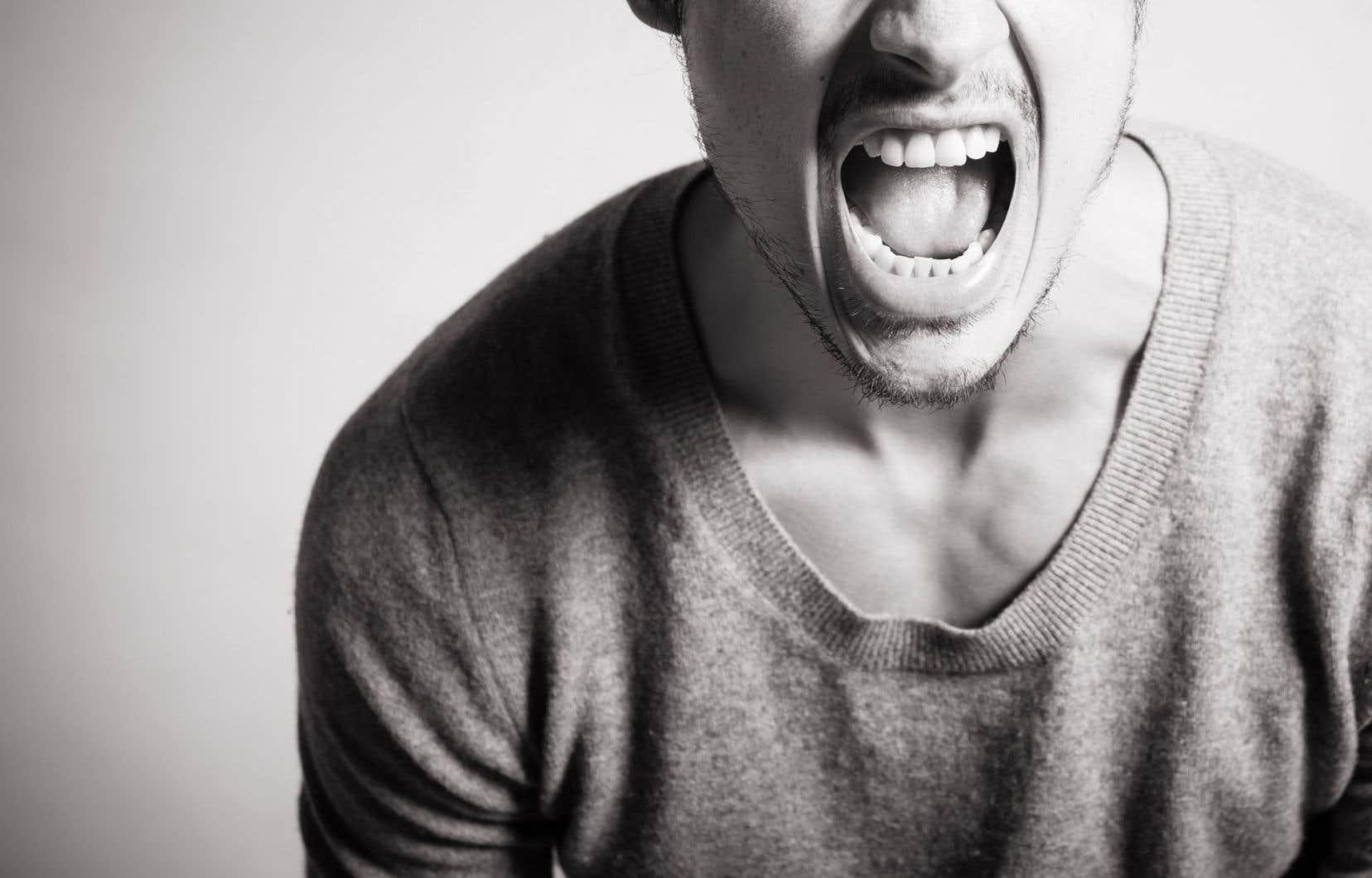 Face à un conjoint explosif, la psychologue Pascale Roux propose d'amener l'autre à réaliser son comportement, à nommer sa colère, et non pas de le disqualifier.