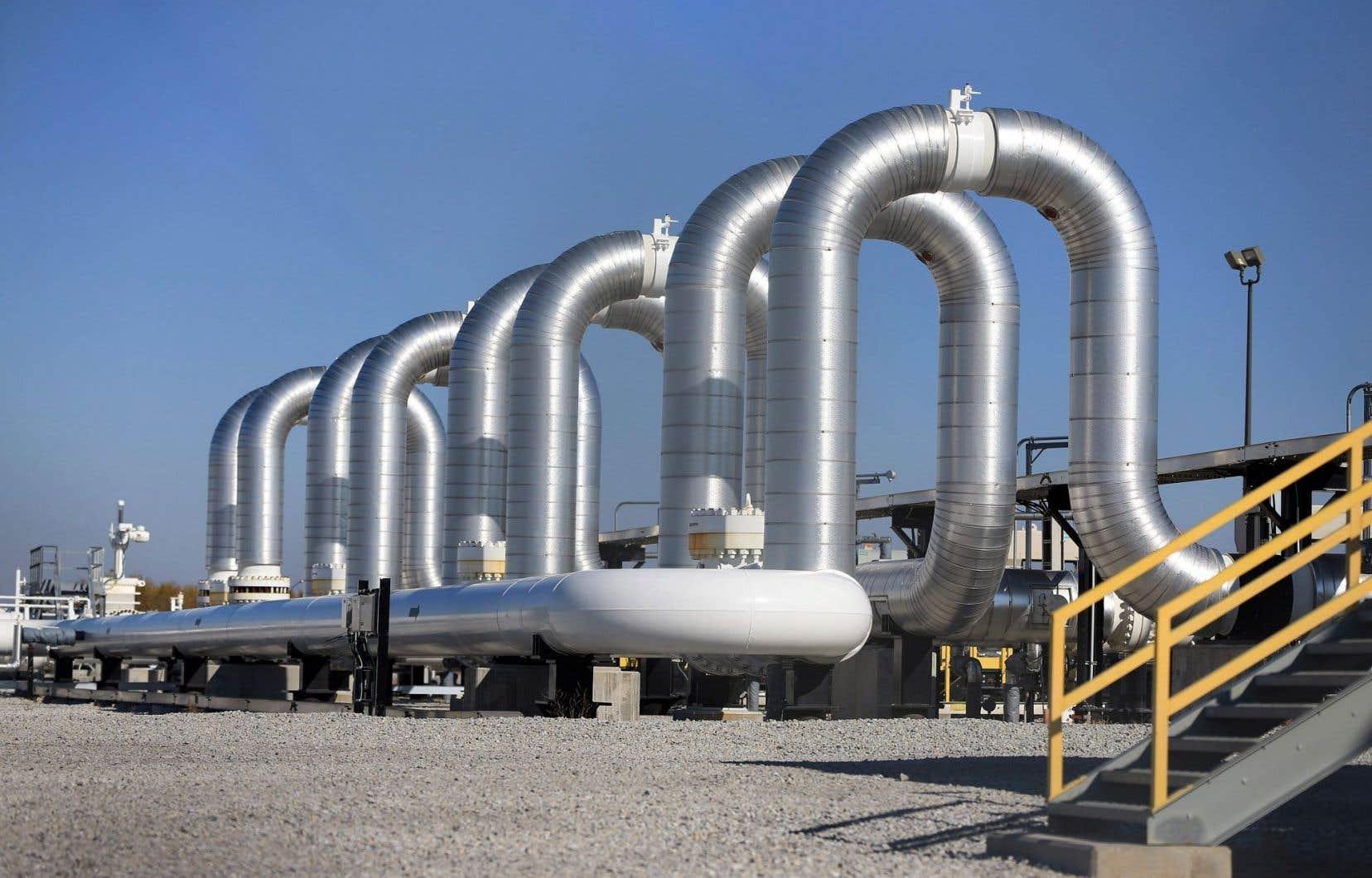 Le pipeline Keystone XL permettrait de transporter chaque jour 830 000 barils de pétrole des sables bitumineux de l'Alberta jusqu'aux raffineries du Texas.