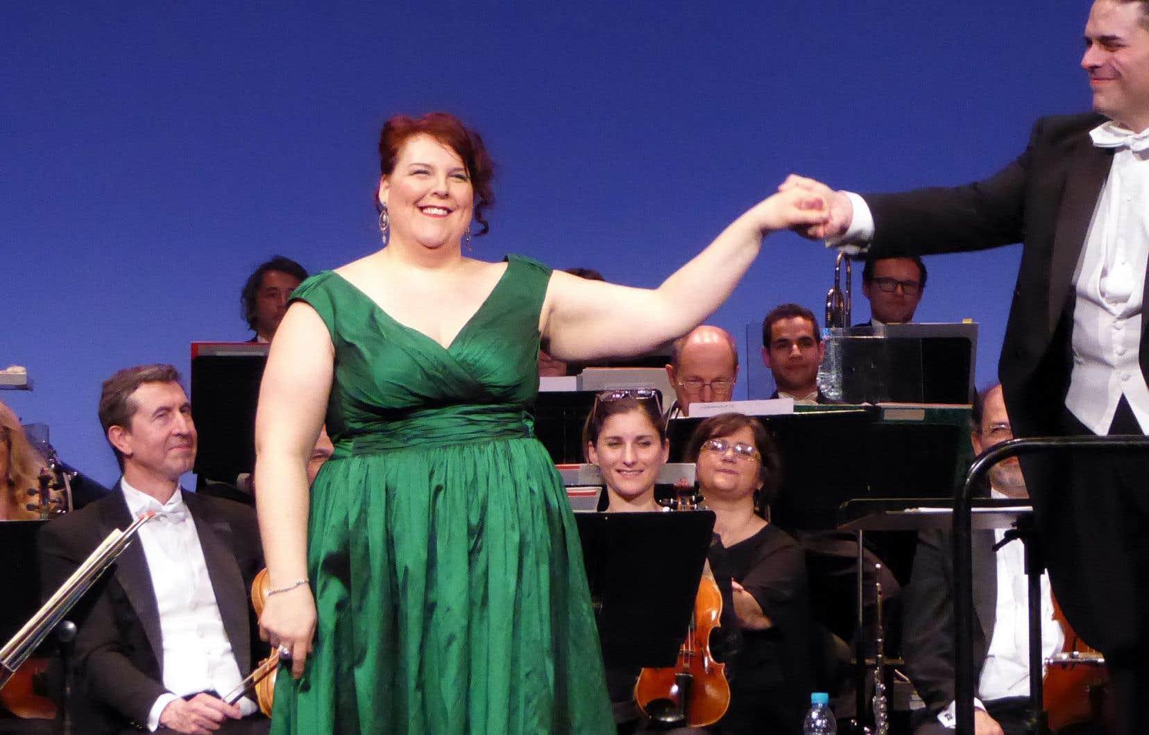 La chanteuse Marie-Nicole Lemieux a été émue aux larmes lors de sa prestation parisienne.