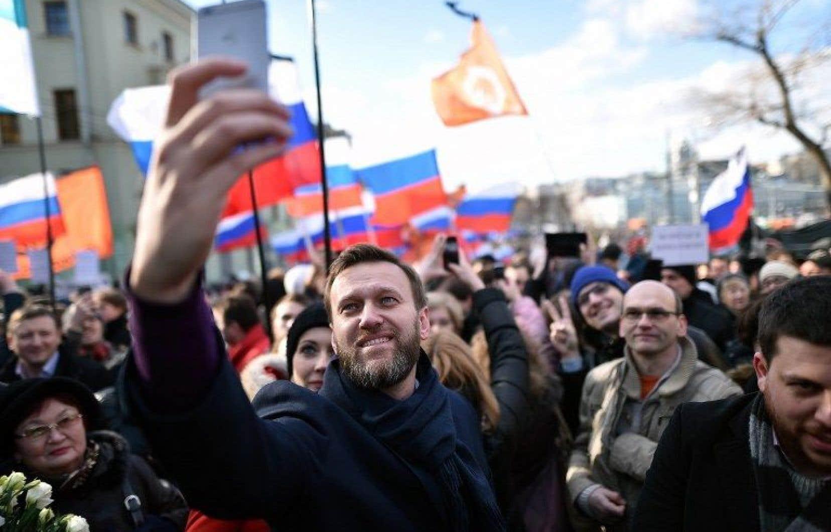 Des milliers de personnes sont descendues dans les rues de Moscou pour manifester contre la corruption dimanche.
