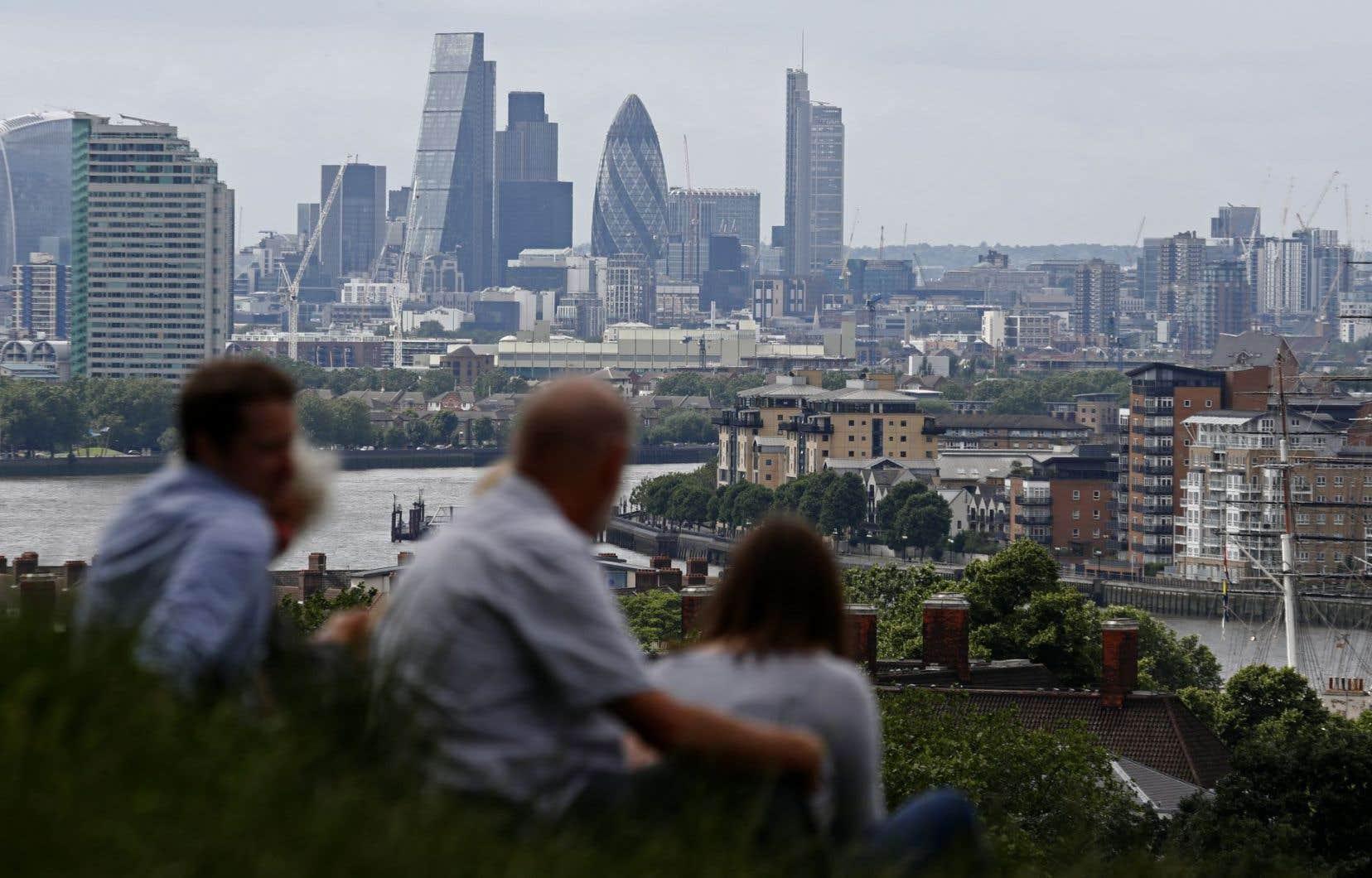 Plusieurs grandes banques comme HSBC ont déjà prévenu qu'elles étaient prêtes à déplacer des emplois hors du Royaume-Uni.