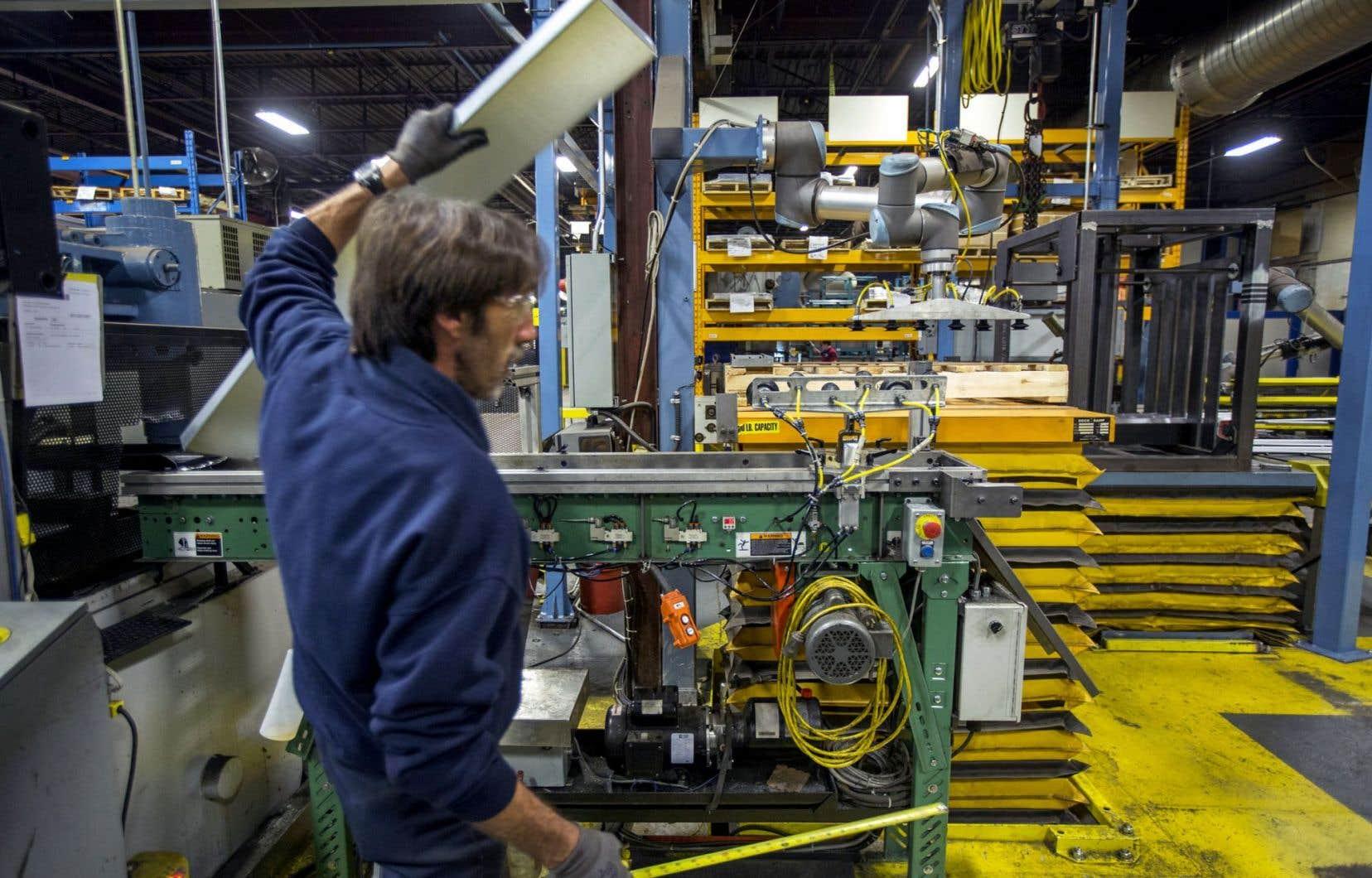 Le secteur de la fabrication, qui a progressé de 1,9%, est le principal facteur à l'origine de la croissance du produit intérieur brut en janvier.