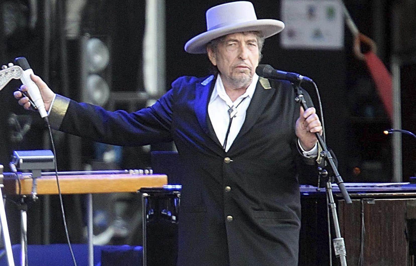 Dans «Triplicate», Dylan effectue un «voyage sentimental» dans l'âge d'or du «songwriting» américain.