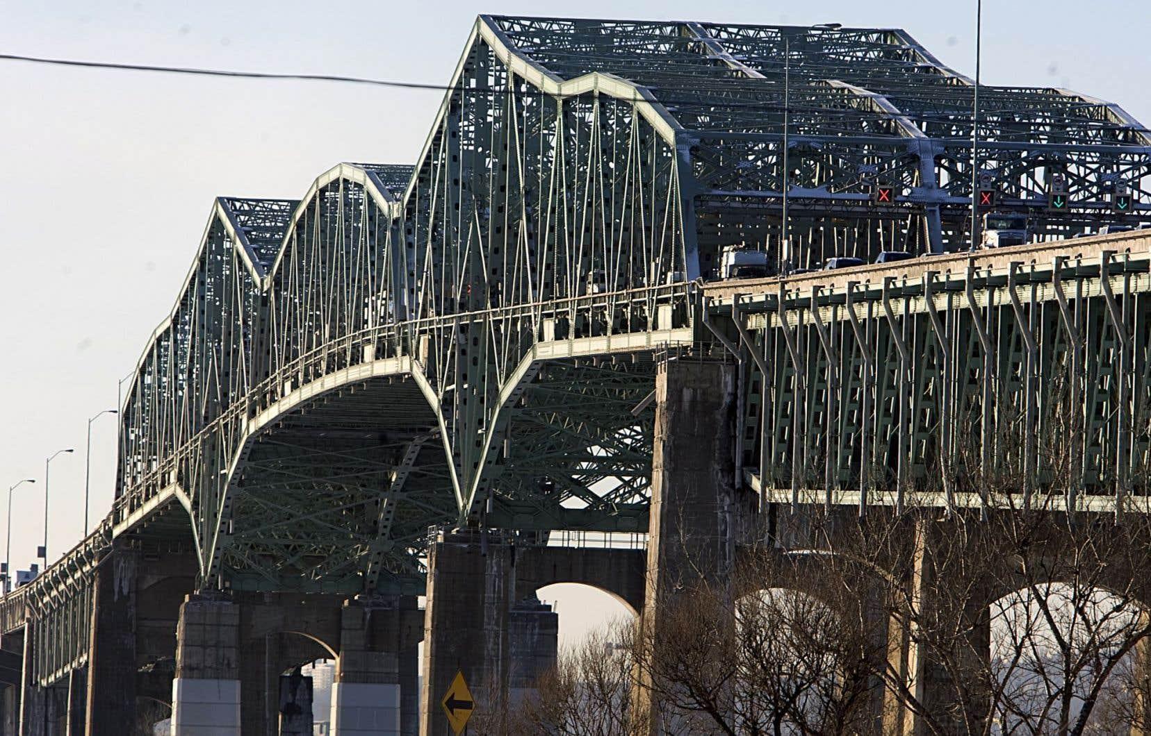 La déconstruction du vieux pont Champlain devrait prendre environ trois ans et se terminer en 2022.