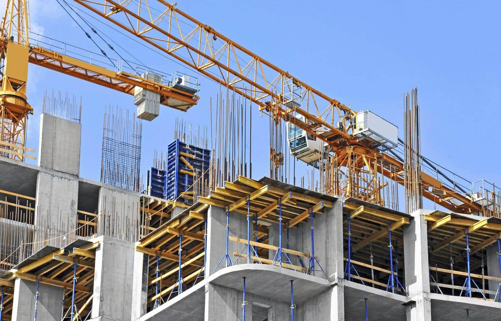 Le nombre mensuel désaisonnalisé et annualisé de mises en chantier avait atteint 253720 en mars, alors qu'il s'était chiffré à 214253 en février.