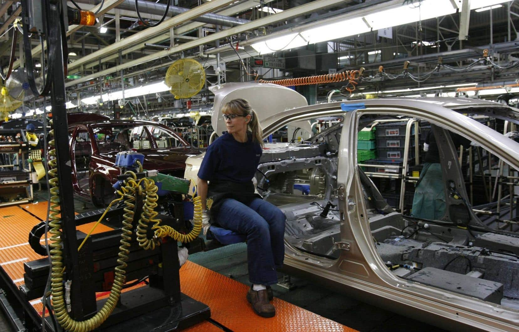 Toyota réplique que cet investissement représente plutôt la culmination d'au moins quatre ans de travaux dans le but de relancer la Camry, qui est depuis longtemps la voiture la plus vendue aux États-Unis.