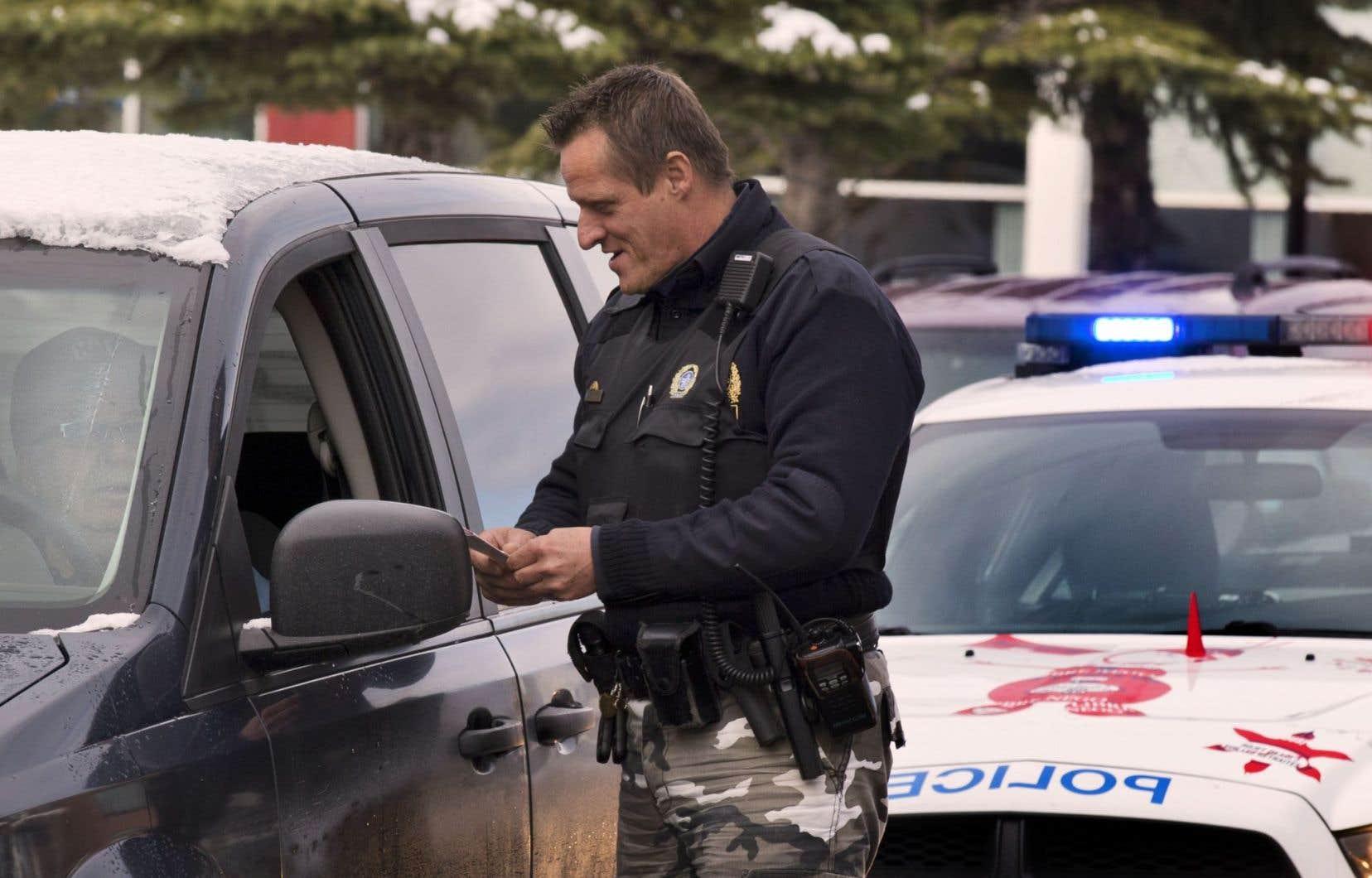 Désormais, un policier qui intercepte un véhicule aura le droit d'exiger un échantillon d'haleine du conducteur pour détecter la présence d'alcool.