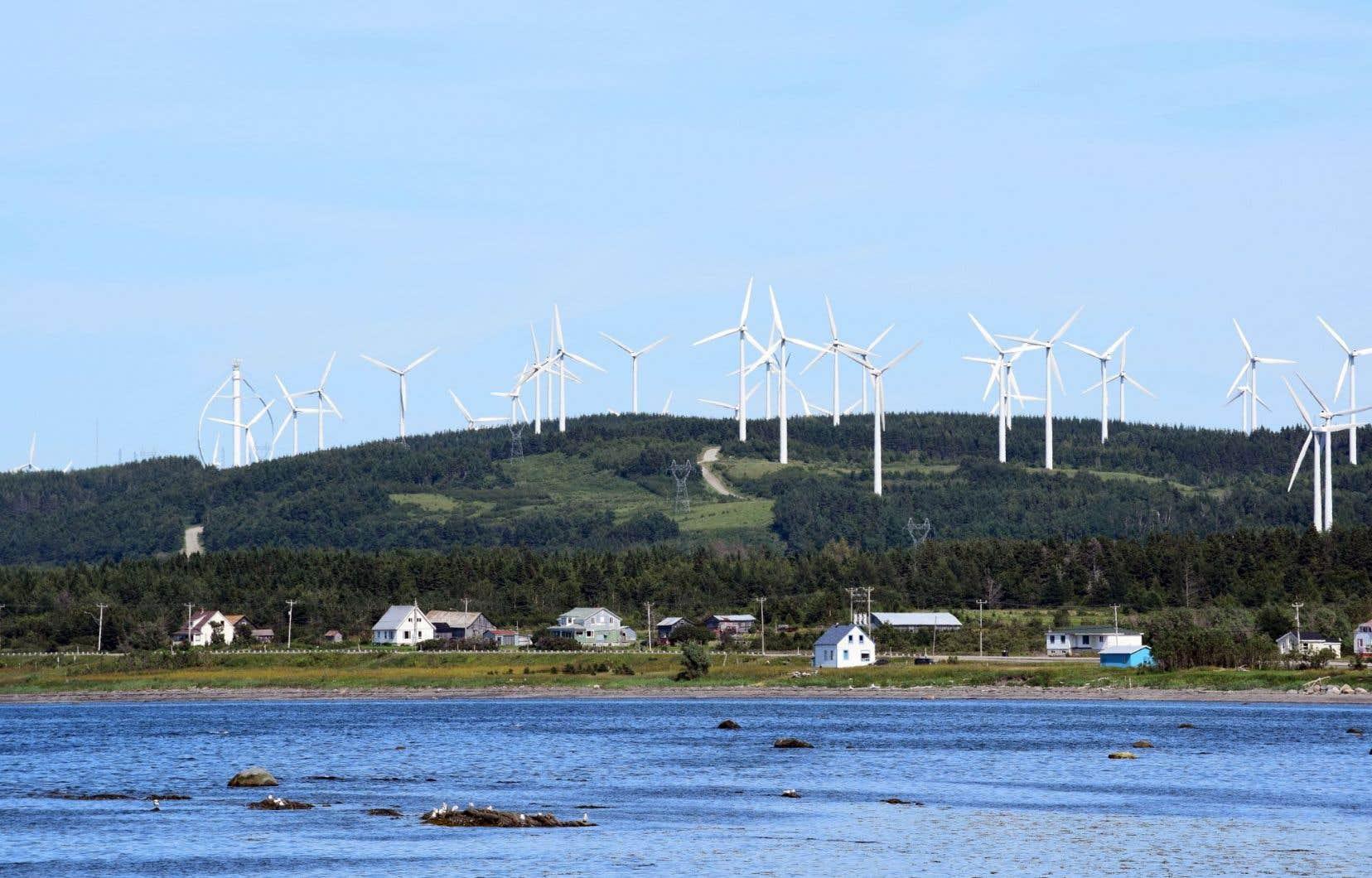 Les auteurs s'inspirent notamment des débats soulevés par l'installation d'éoliennes dans des milieux habités.