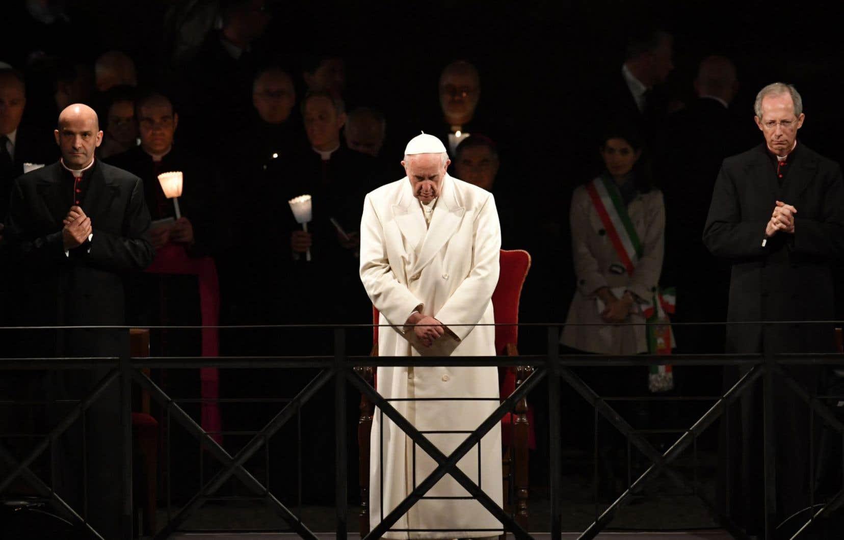Le Pape Exprime  U00abla Honte U00bb Du Sang Innocent Vers U00e9