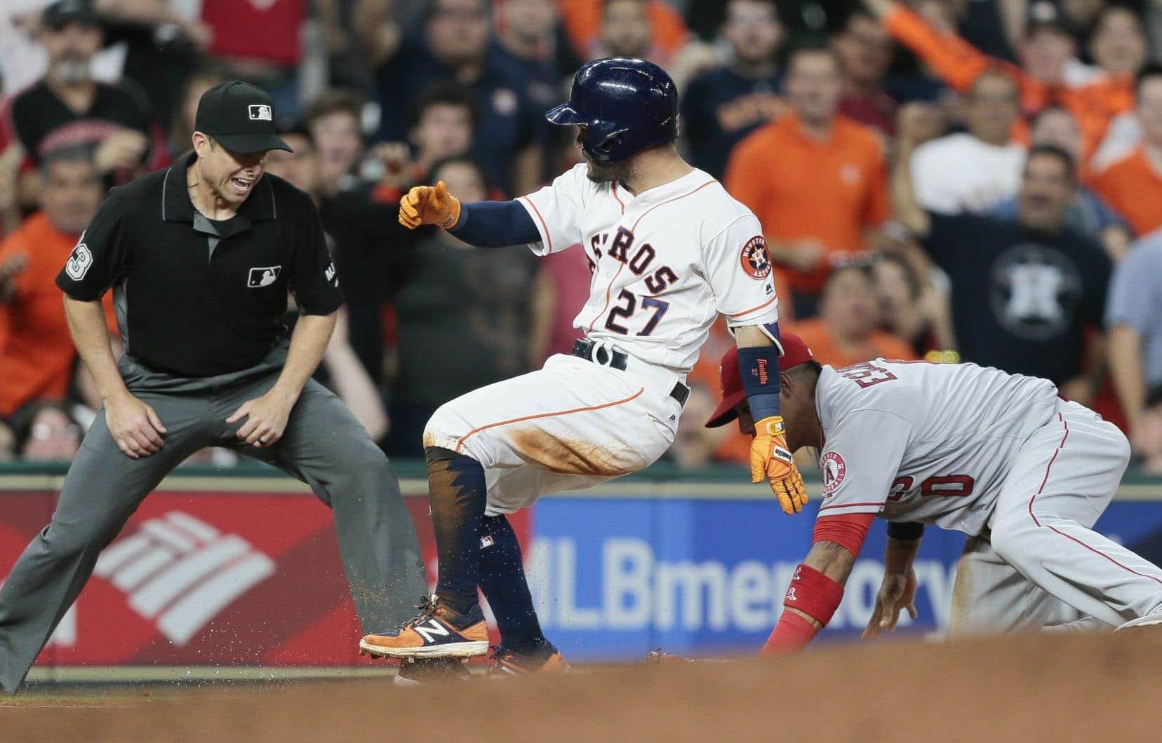 Les arbitres de la MLB pourraient bientôt devoir expliquer leurs décisions.