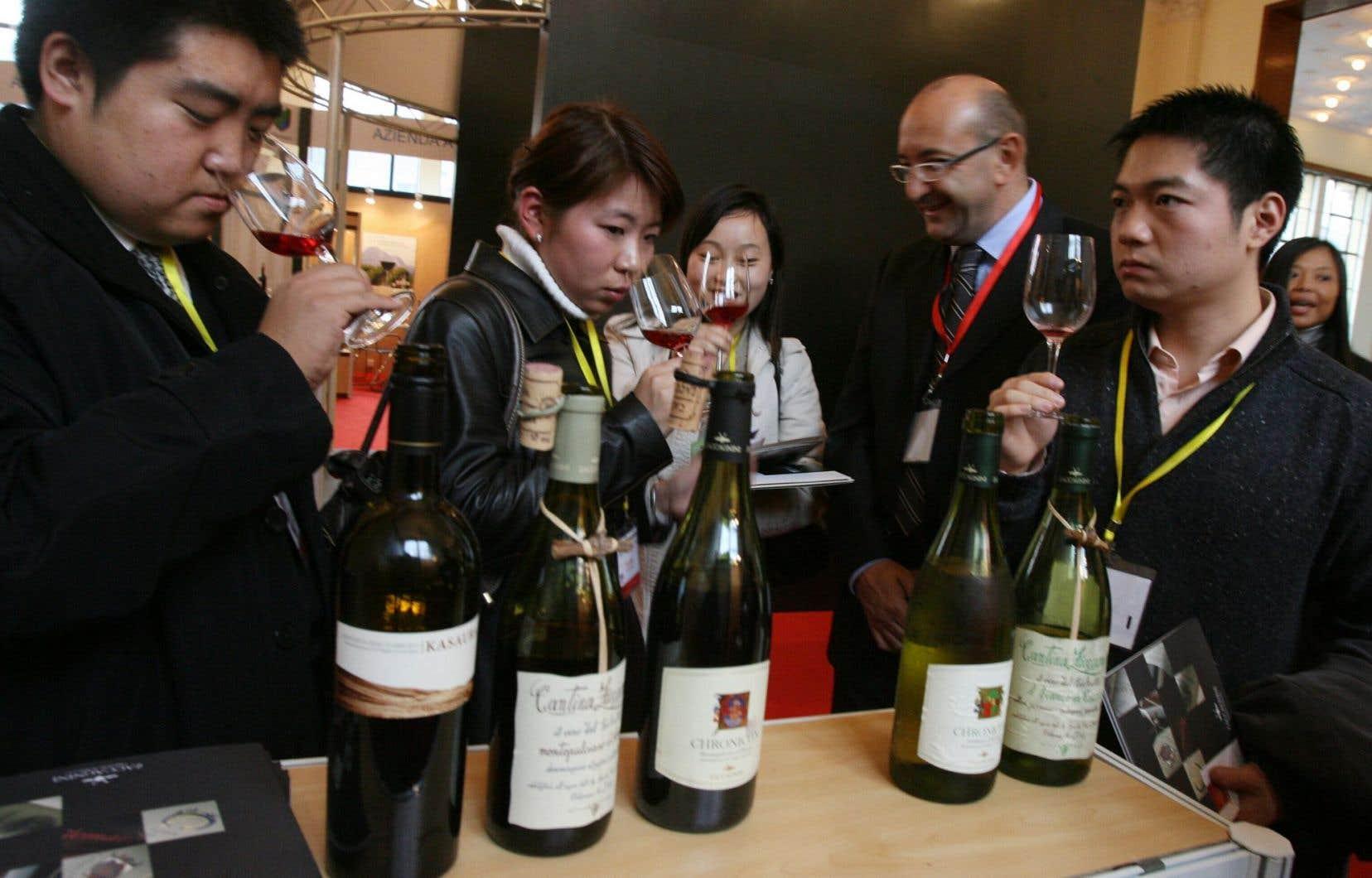 Si les vins italiens ont l'avantage d'offrir un meilleur rapport qualité-prix dans plusieurs gammes, il leur reste encore beaucoup de chemin à faire en Chine, estime une experte.