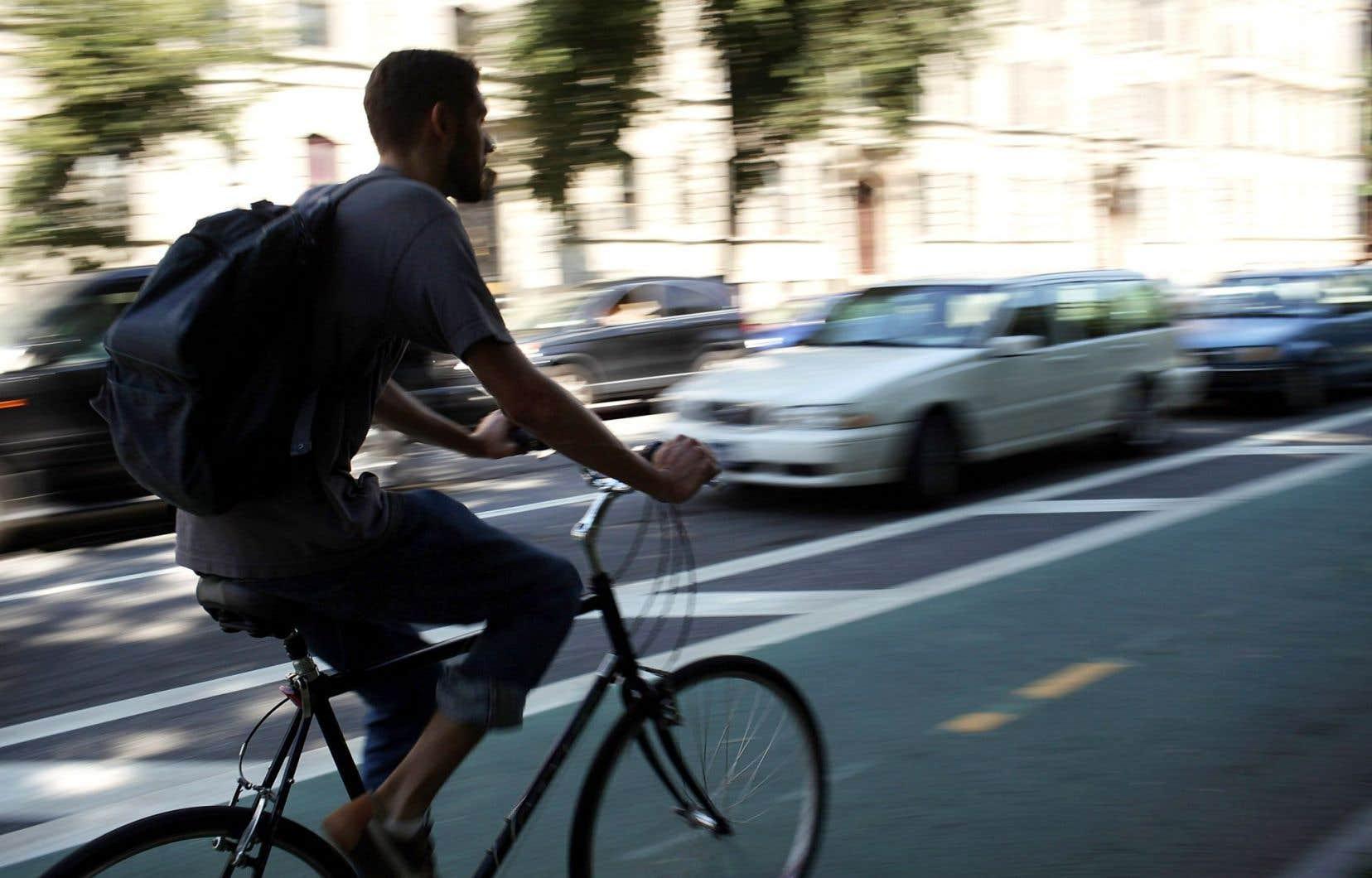 Si 14% des déplacements dans les grandes villes du monde étaient effectués à vélo, les émissions de gaz à effet de serre diminueraient de 11%.