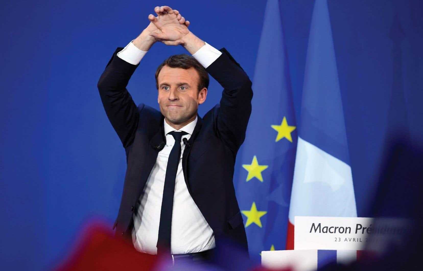 Emmanuel Macron a accédé au second tour de la présidentielle française dimanche.