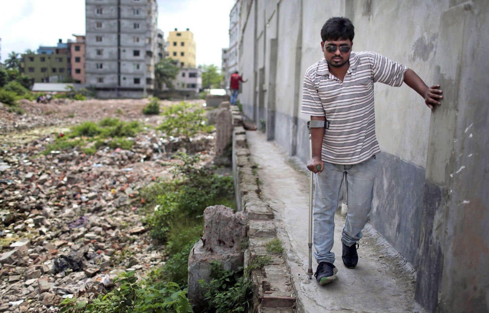 Mahamudul Hasan Ridoy, âgé de 26 ans au moment de la tragédie, fait partie des 2500 travailleurs blessés par l'effondrement.