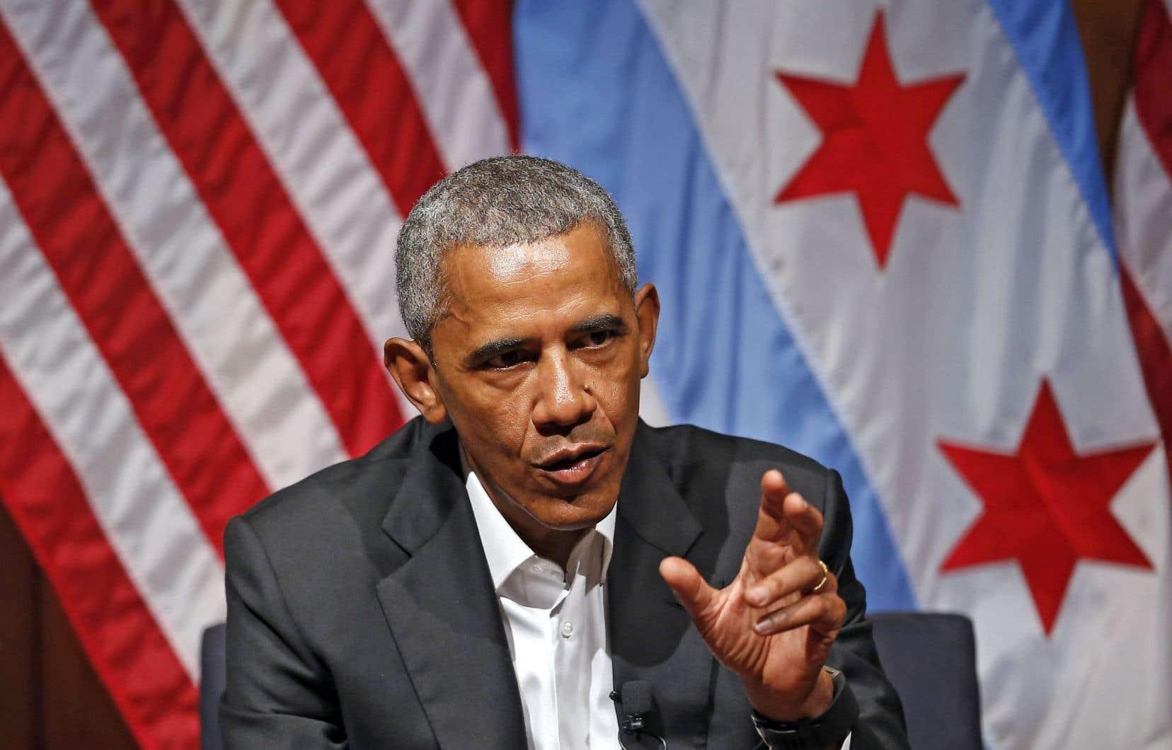 «Il s'est passé des choses en mon absence?» Barack Obama revient sur la scène publique.