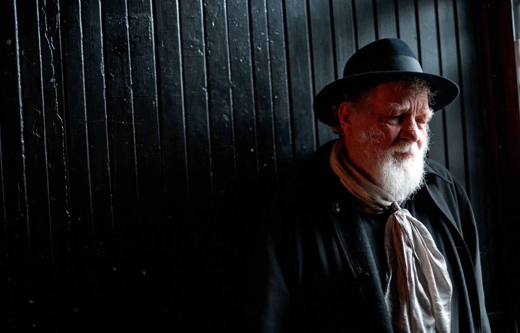 Charles Plymell reste, à 82ans, le hipster de son jeune temps.
