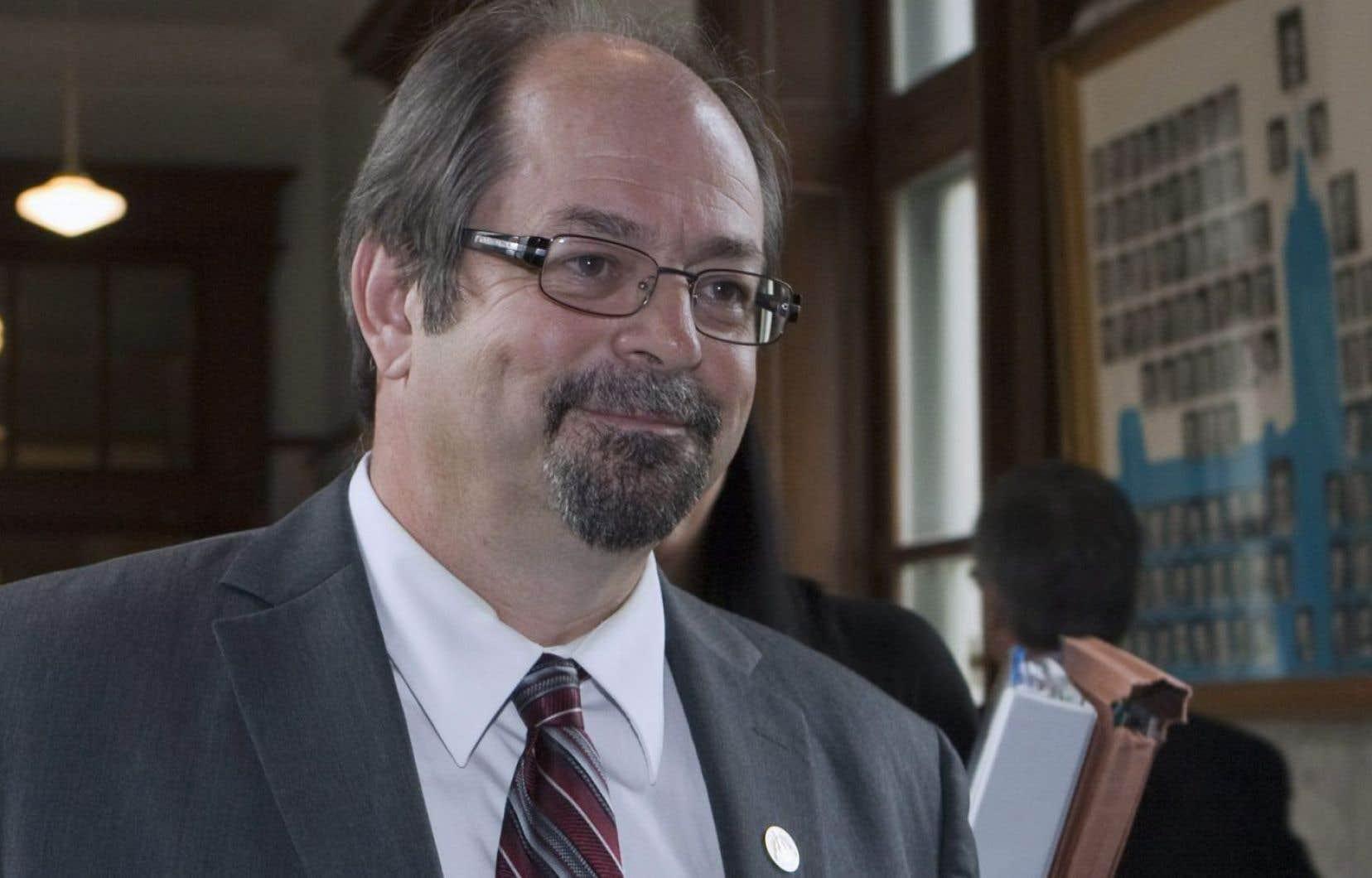 Le ministre responsable des Affaires autochtones, Geoffrey Kelley