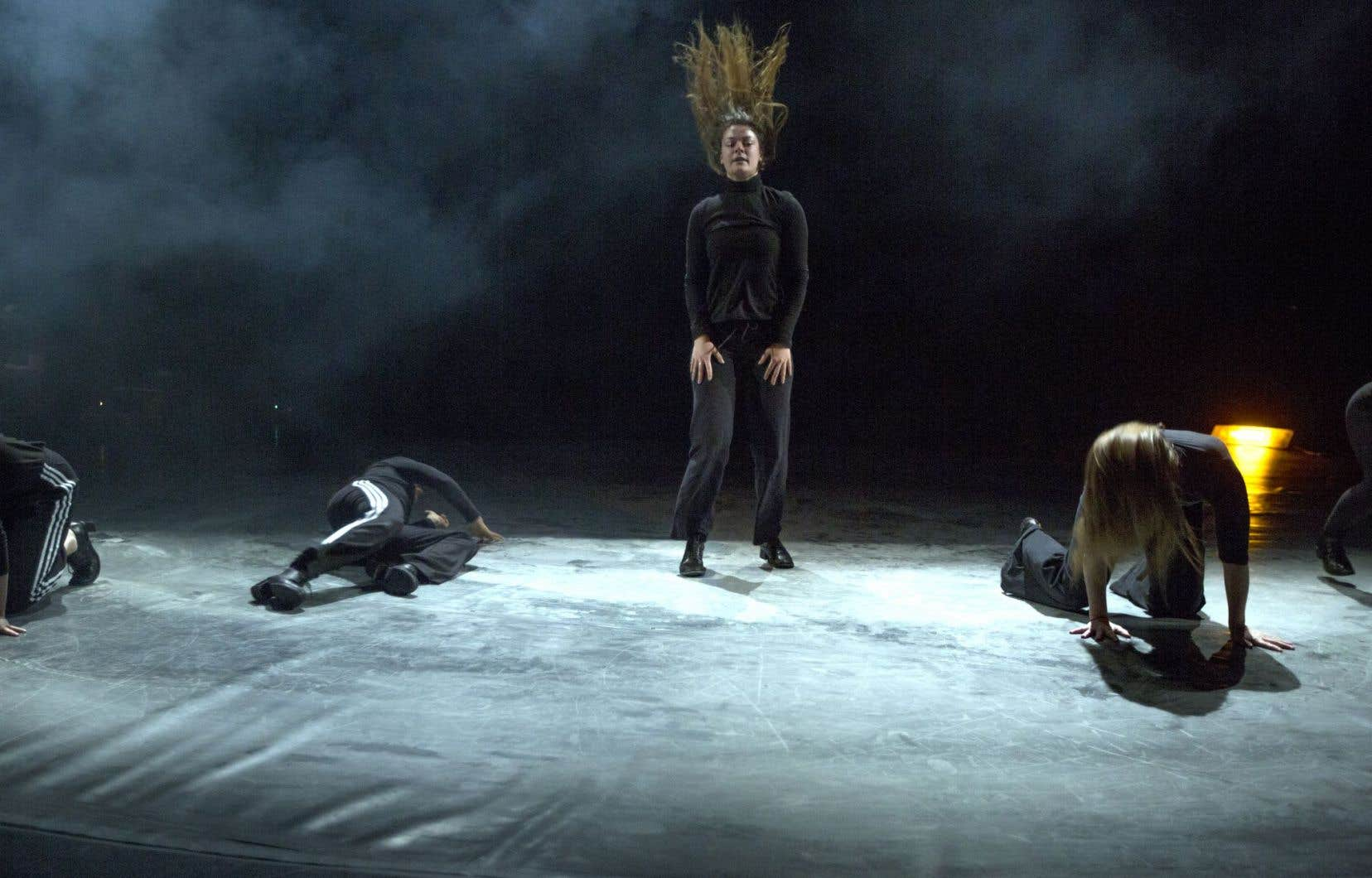 «Tierra» est une pièce chorégraphique, très léchée, très finie pour Danse-Cité et en grande part honnête face à ses intentions, mais qui nous pose en terra bien cognita.