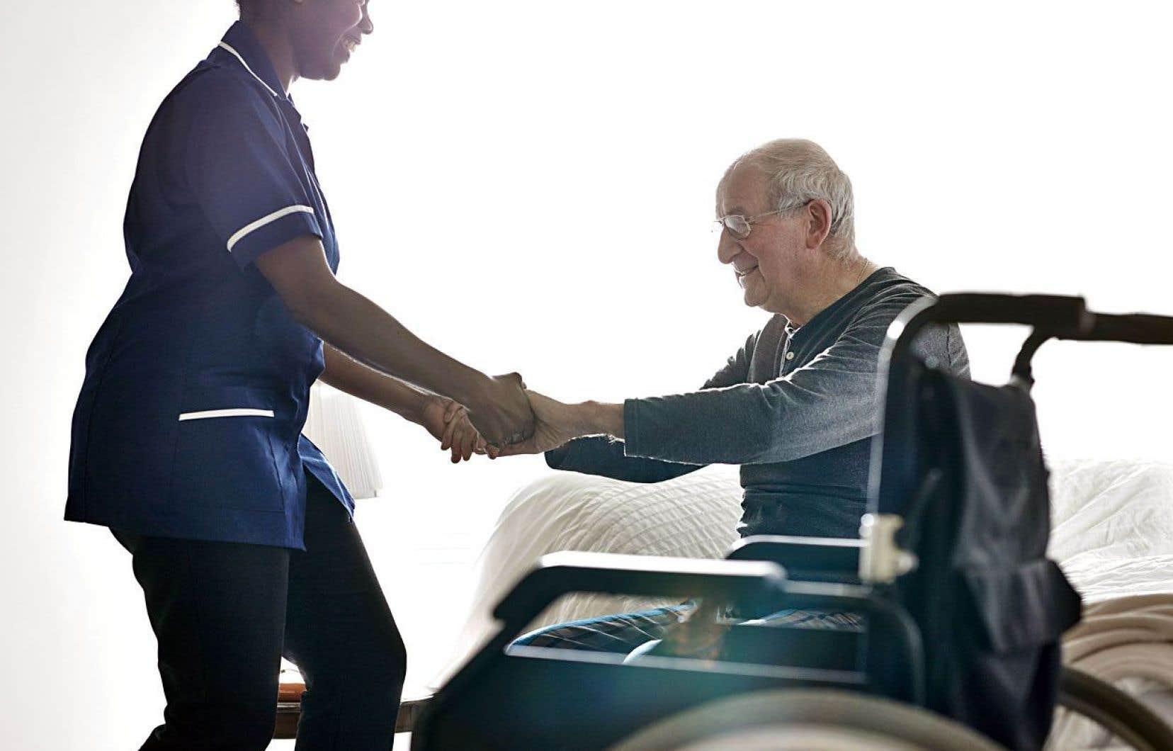 Les nouvelles réformes ont énormément d'impact sur le personnel et sur son niveau de détresse, indique Carolle Dubé.