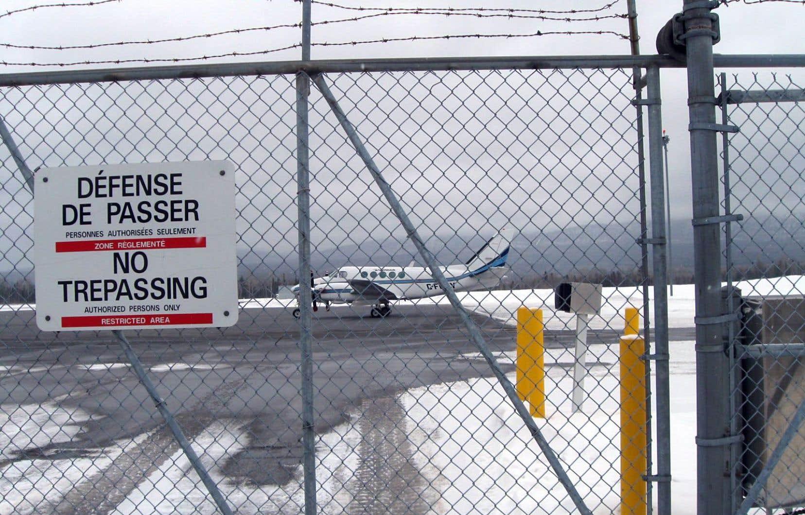 Vue sur une partie de l'aéroport de Gaspé